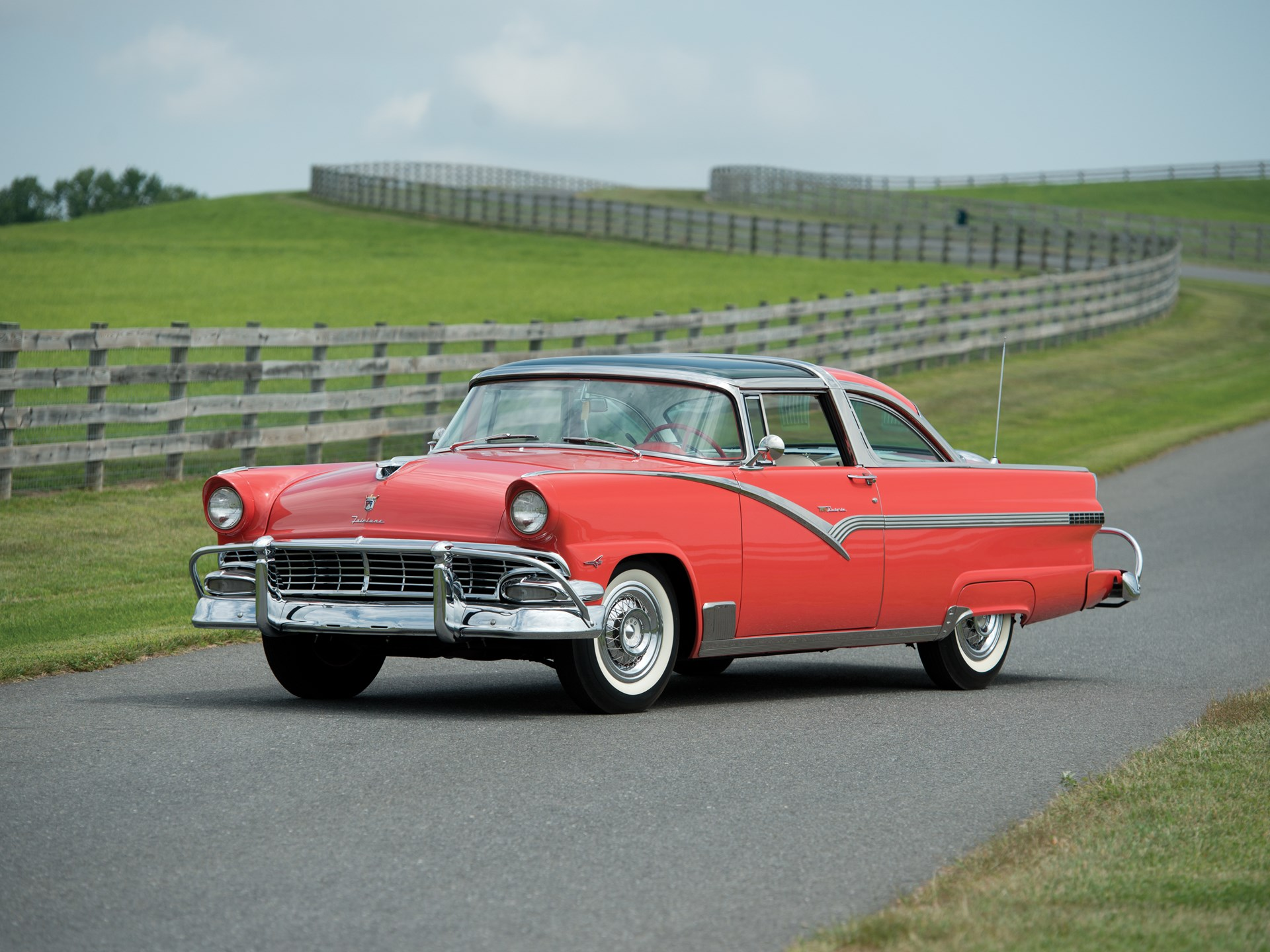 1956 Ford Fairlane Crown Victoria Skyliner 'Glass Top'