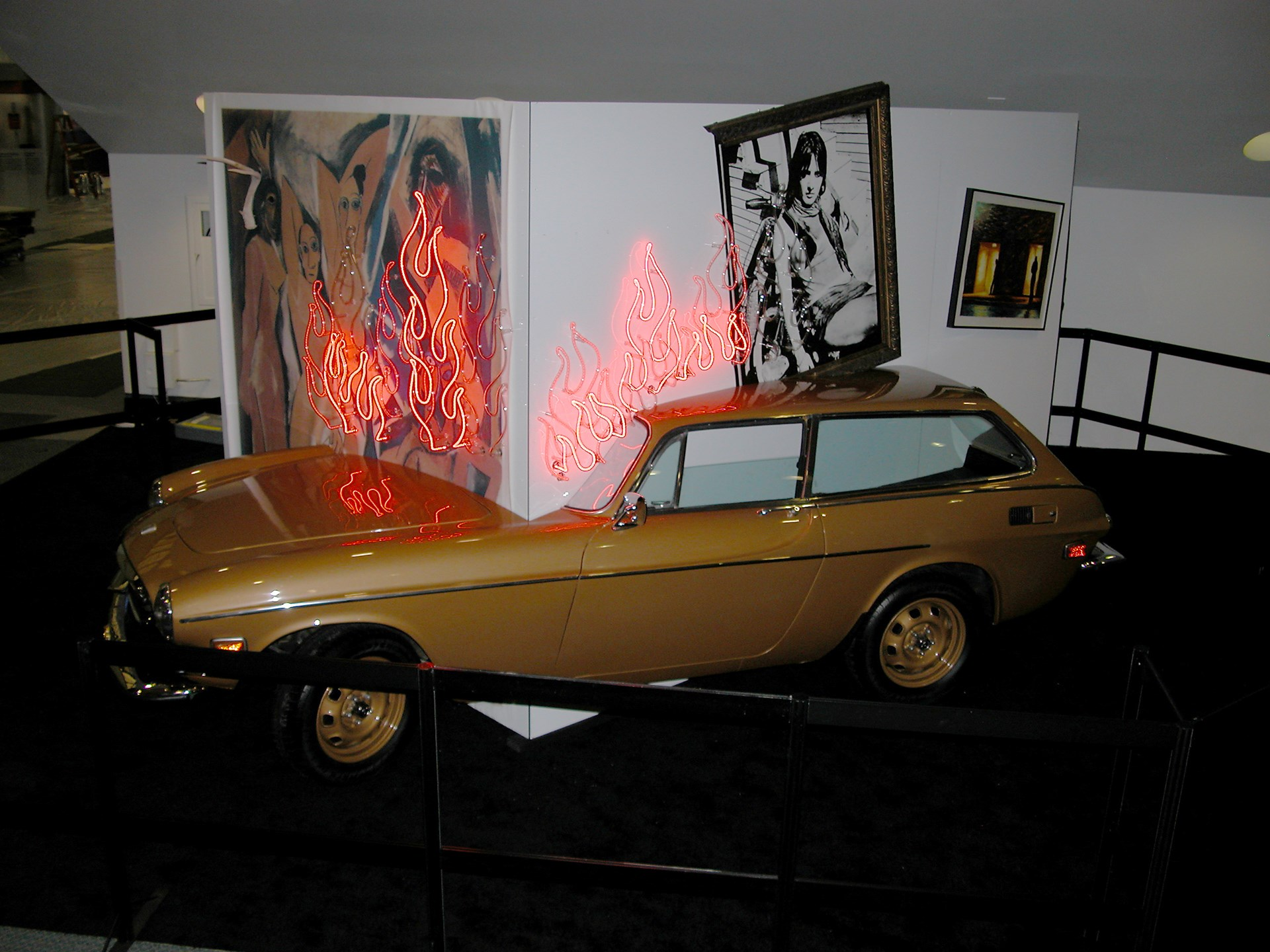 Body Heat - Crashing the Modern by Lili Lakich and Juan Larios, 2005