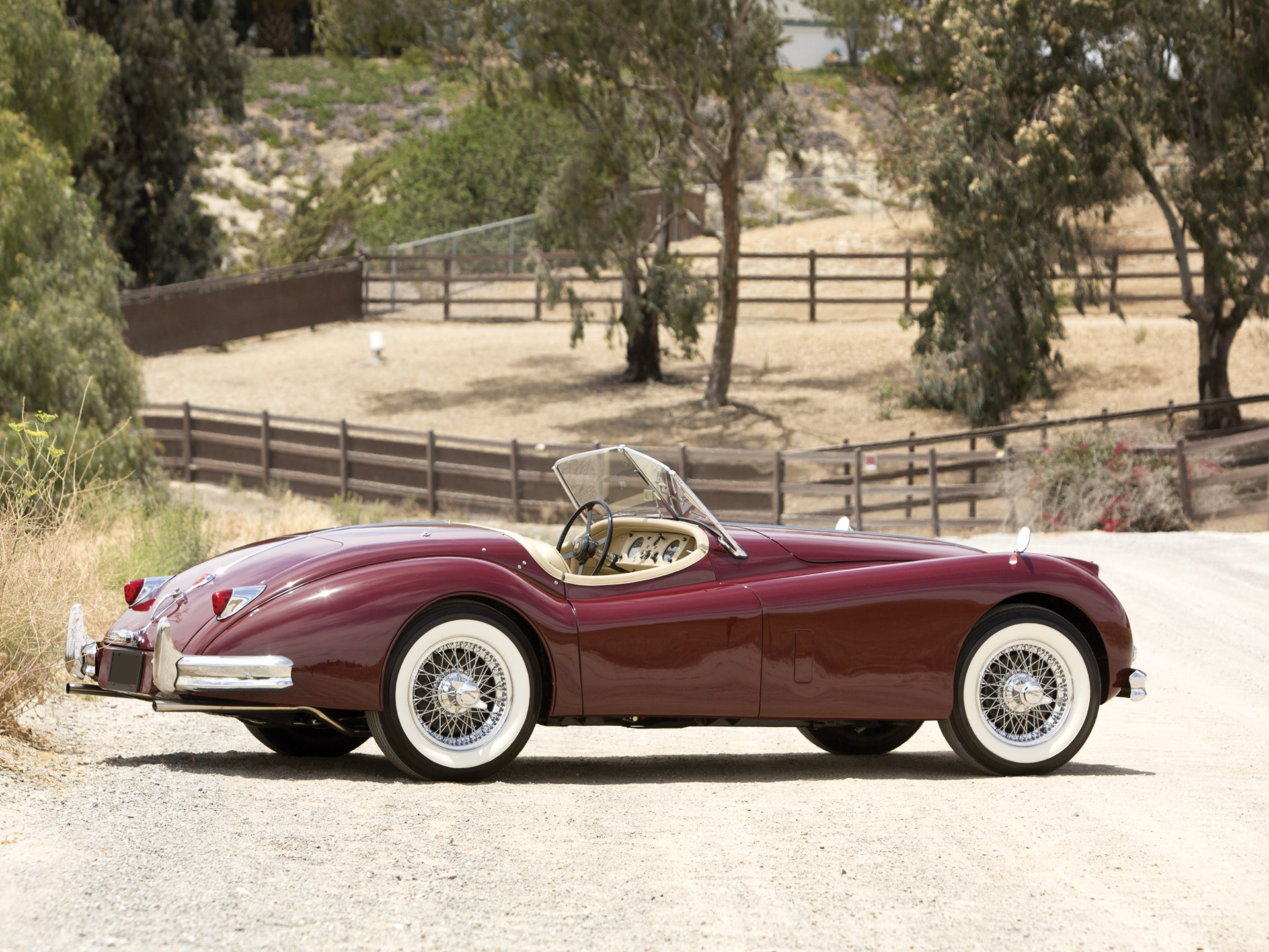 Captivating 1956 Jaguar XK140 MC 3.4 Roadster