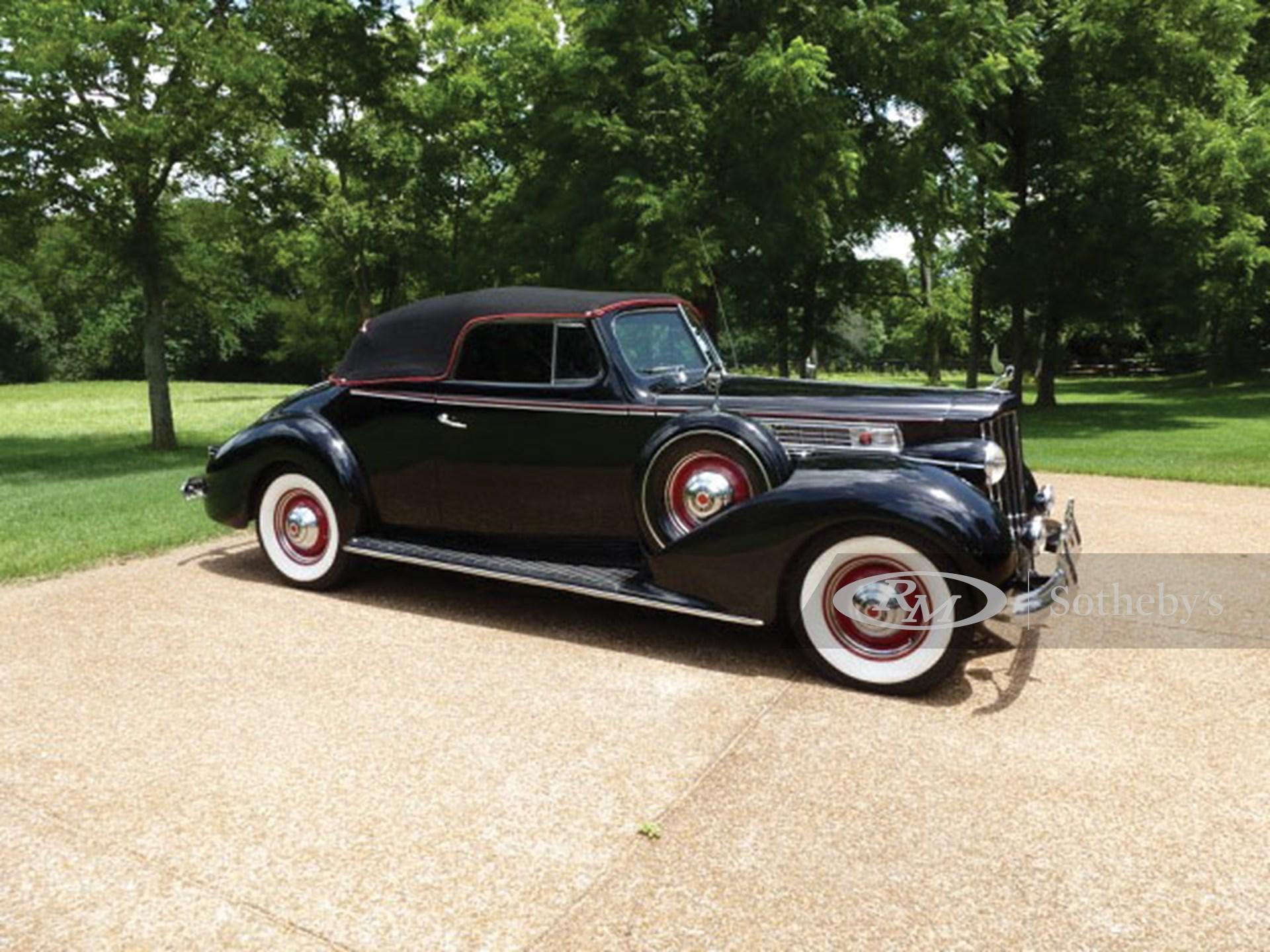 1939 Packard Super Eight