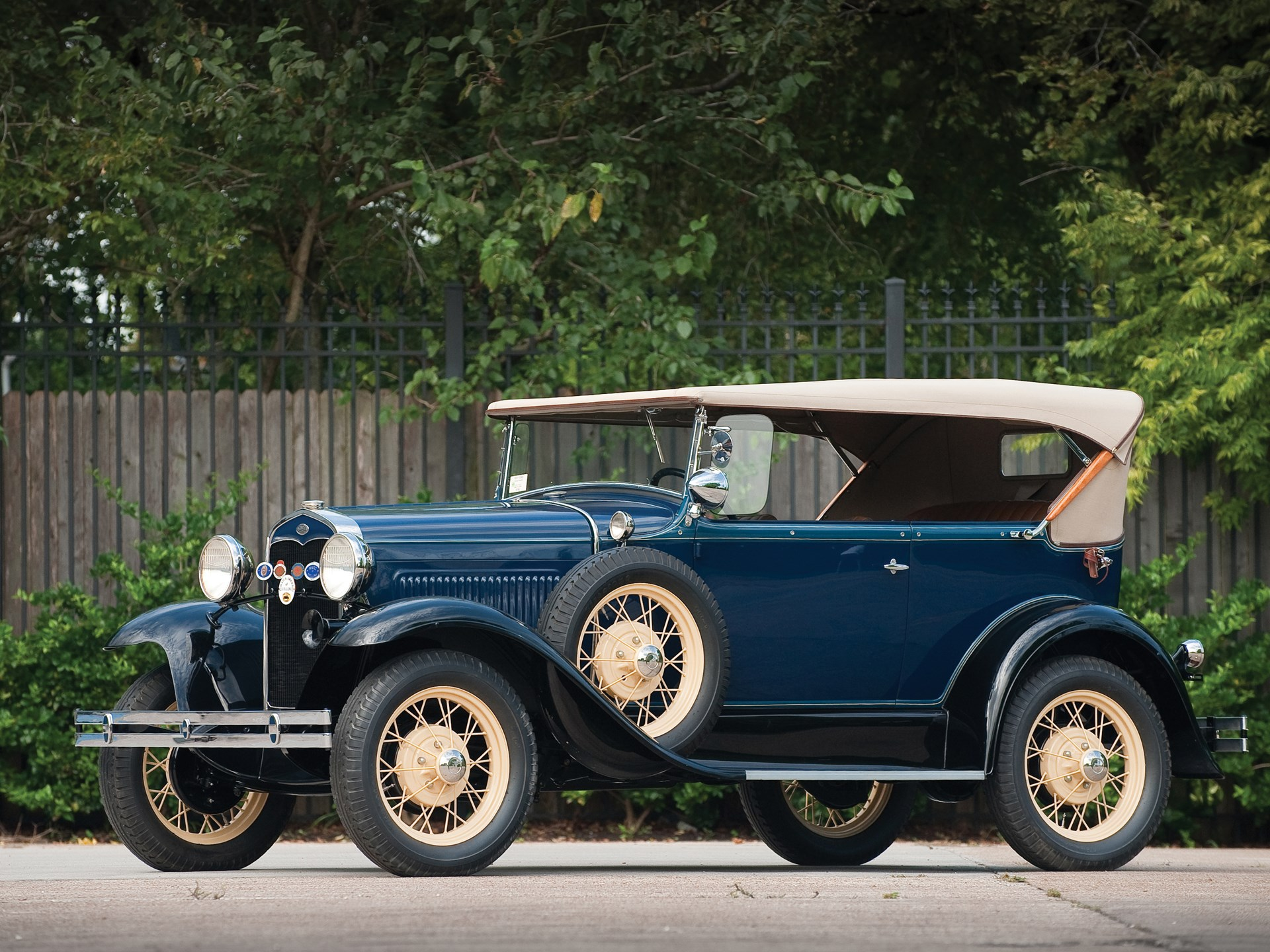 1931 ford model a deluxe two door phaeton