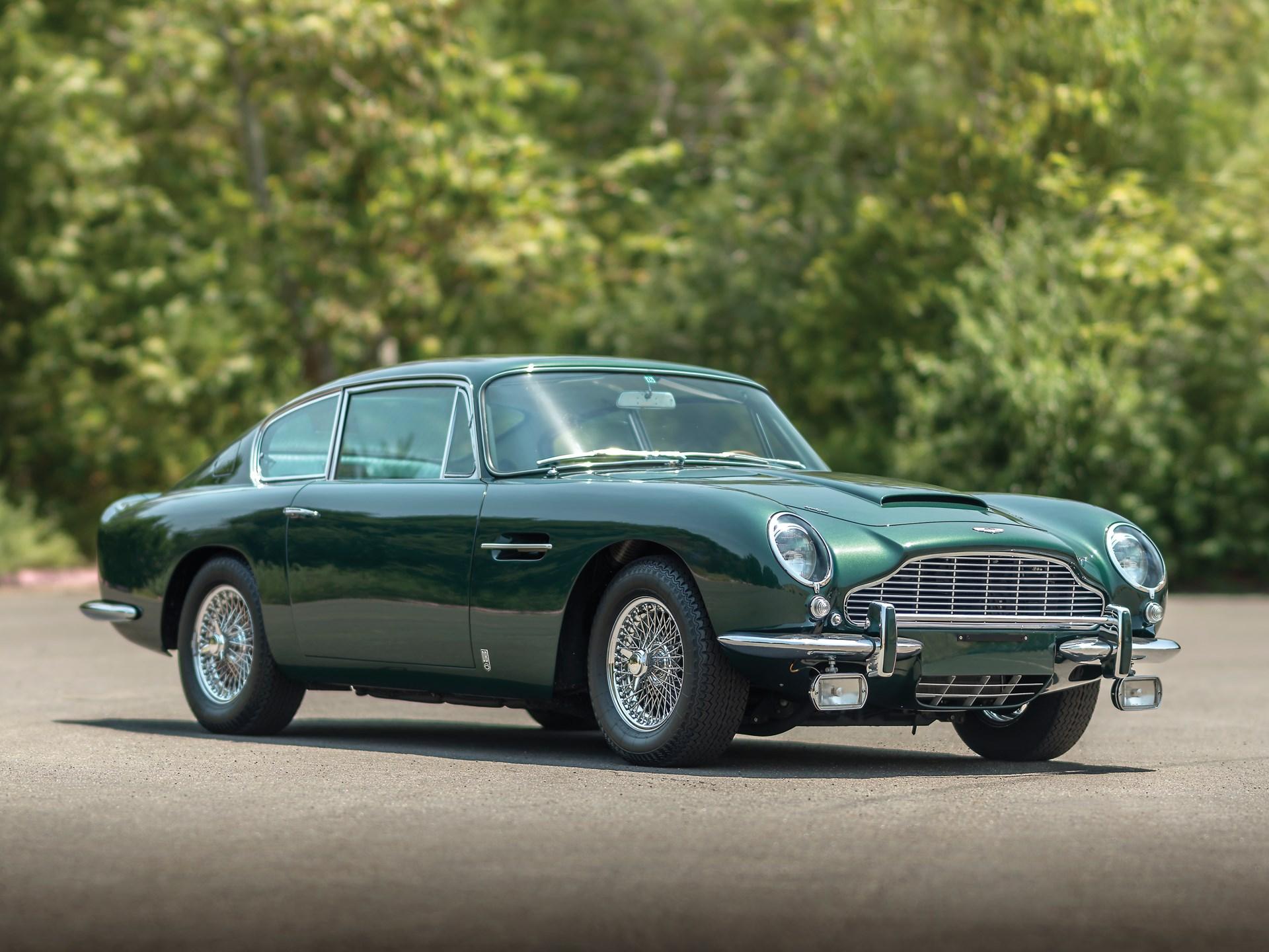 Aston Martin DB6 ile ilgili görsel sonucu