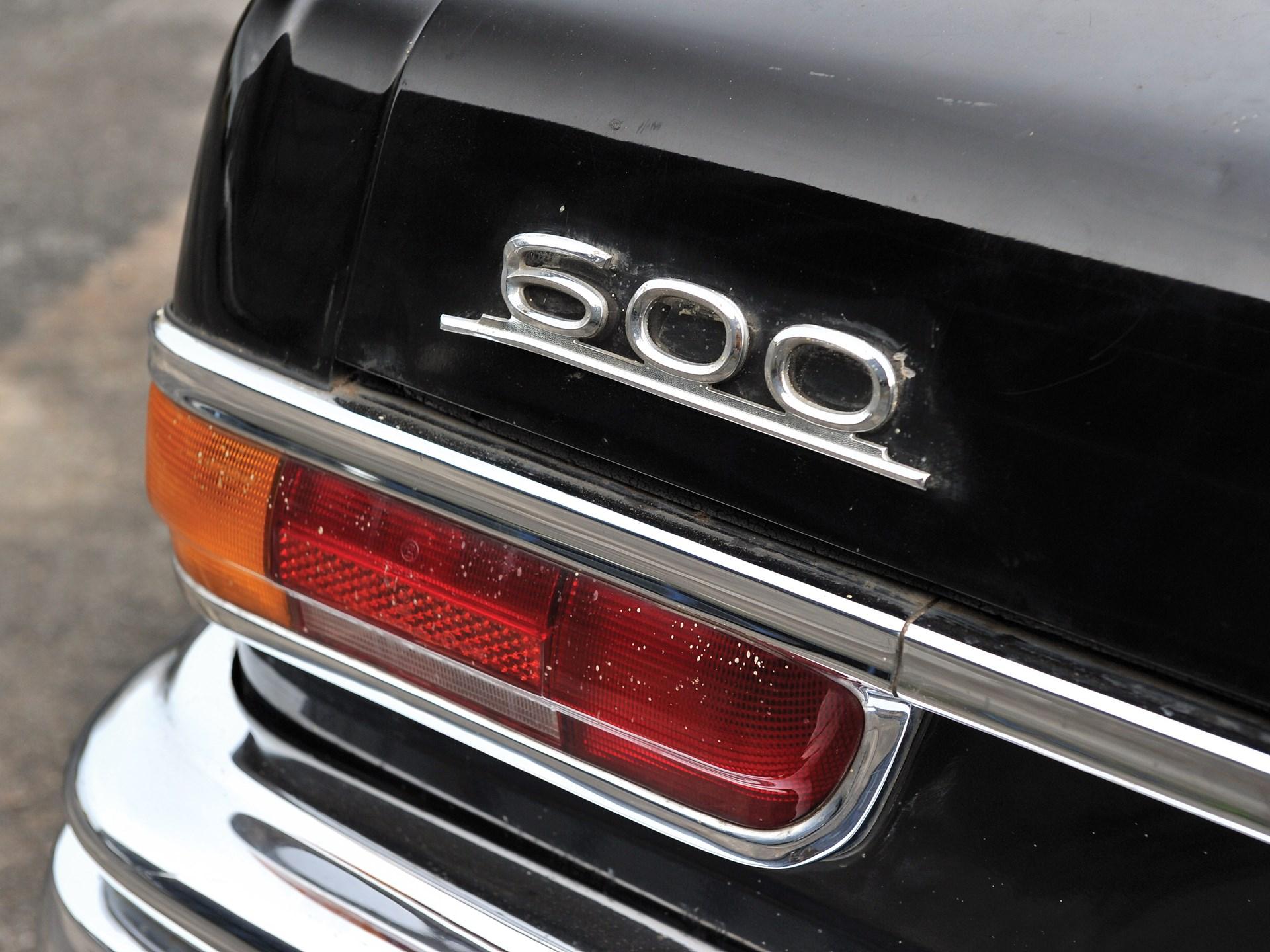 1971 Mercedes-Benz 600 'Six-Door' Pullman Landaulet