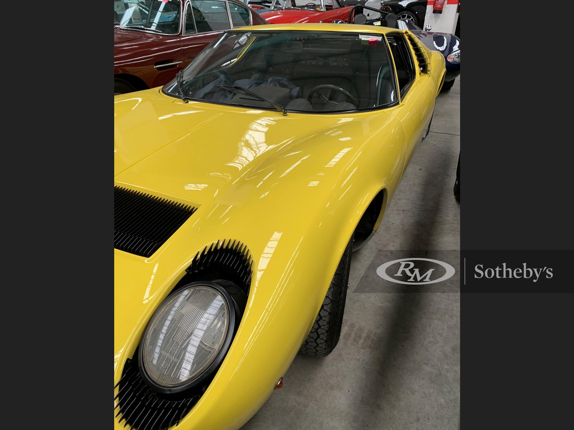 1968 Lamborghini Miura P400 by Bertone -