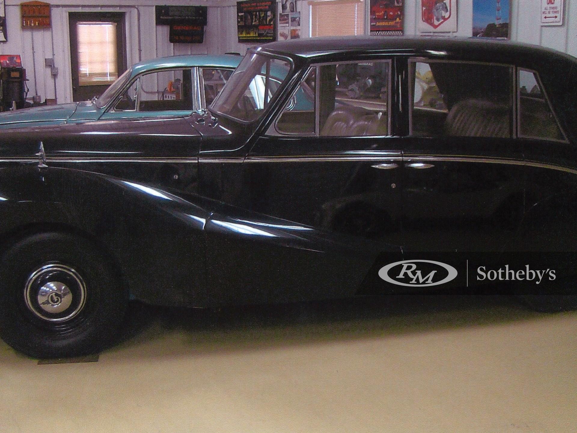 1953 Daimler Sedan