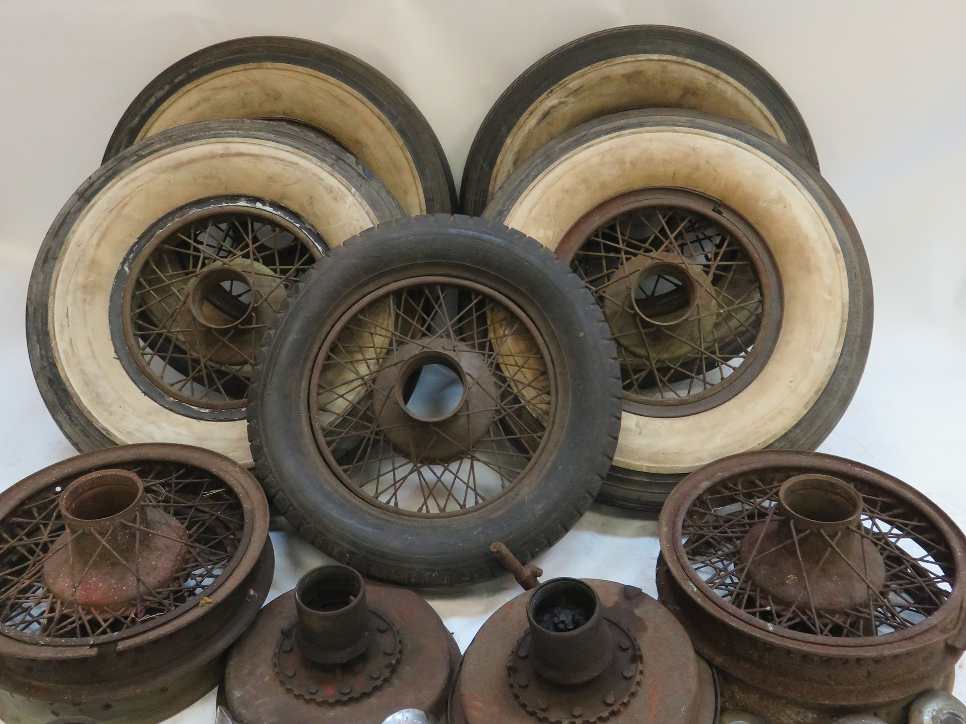 RM Sotheby\'s - Assorted Lot of Dayton Wire Wheels, Hubs and Knock ...