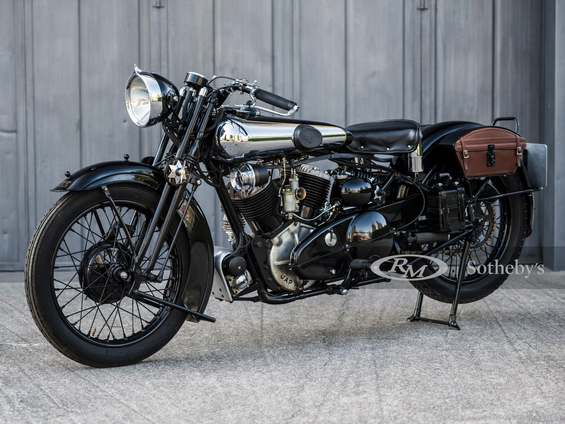 1933 Brough Superior SS80 De Luxe