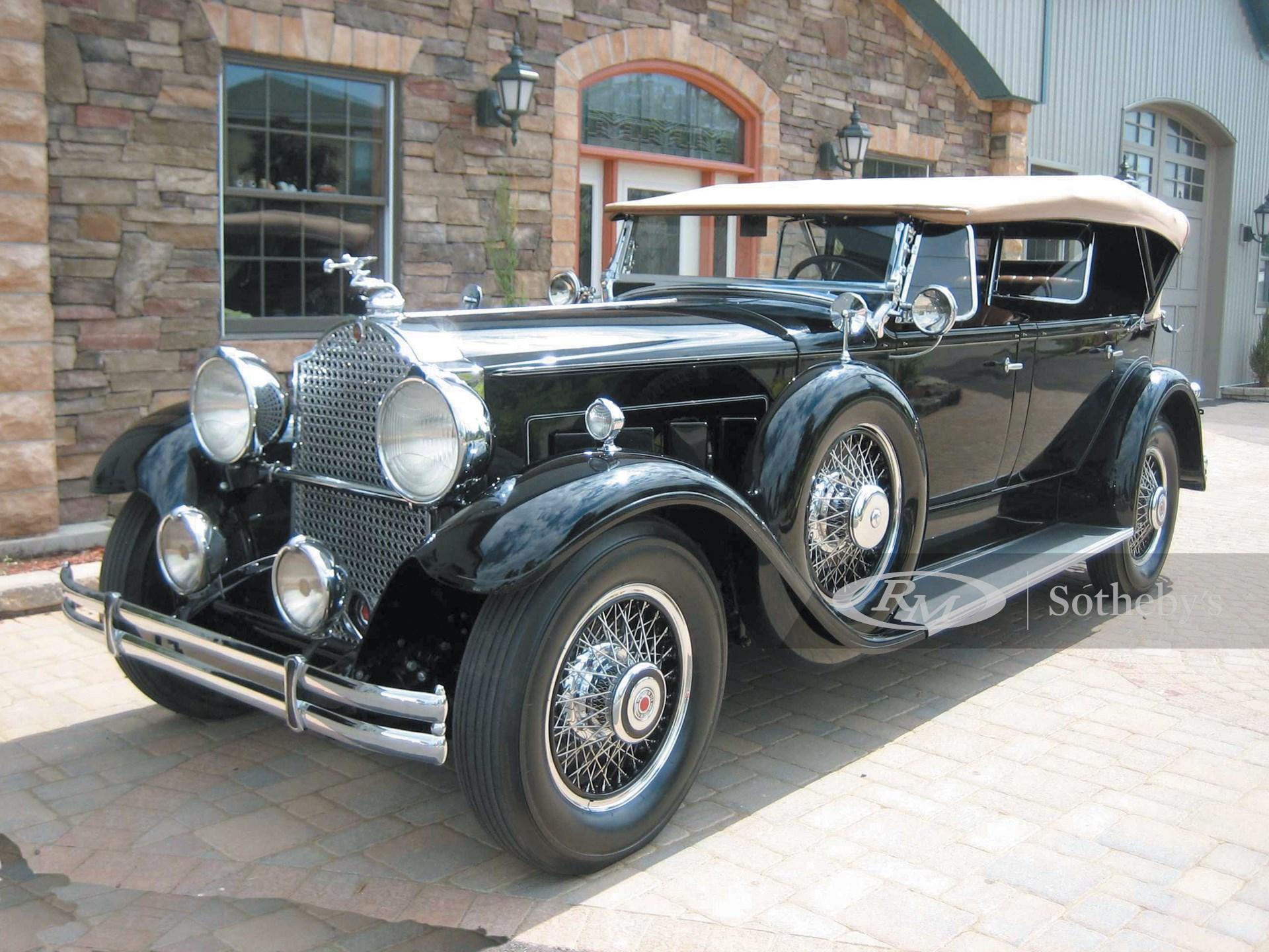 1930 Packard Deluxe Eight Five Passenger Phaeton