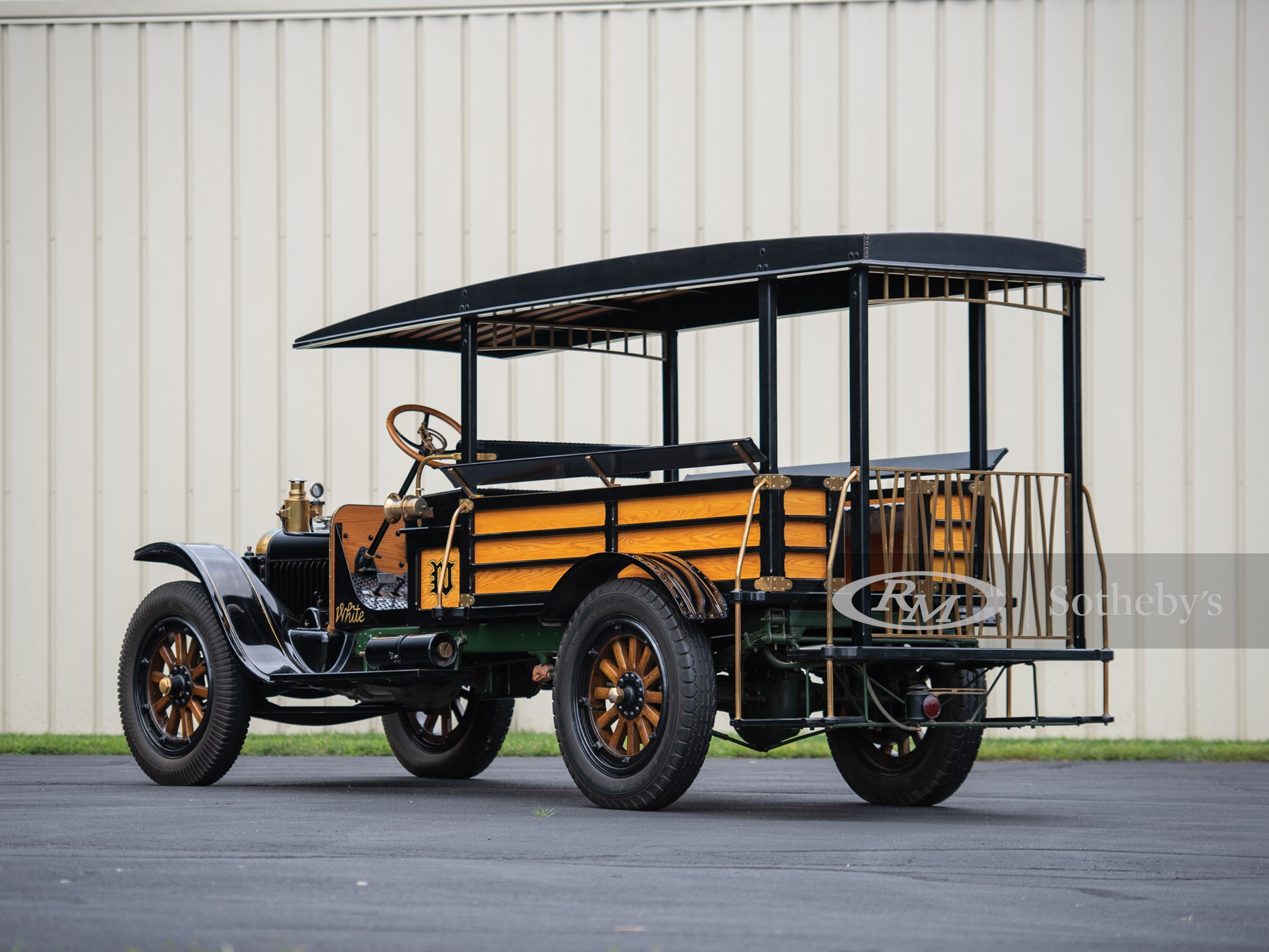 1919 White Mountain Bus  -