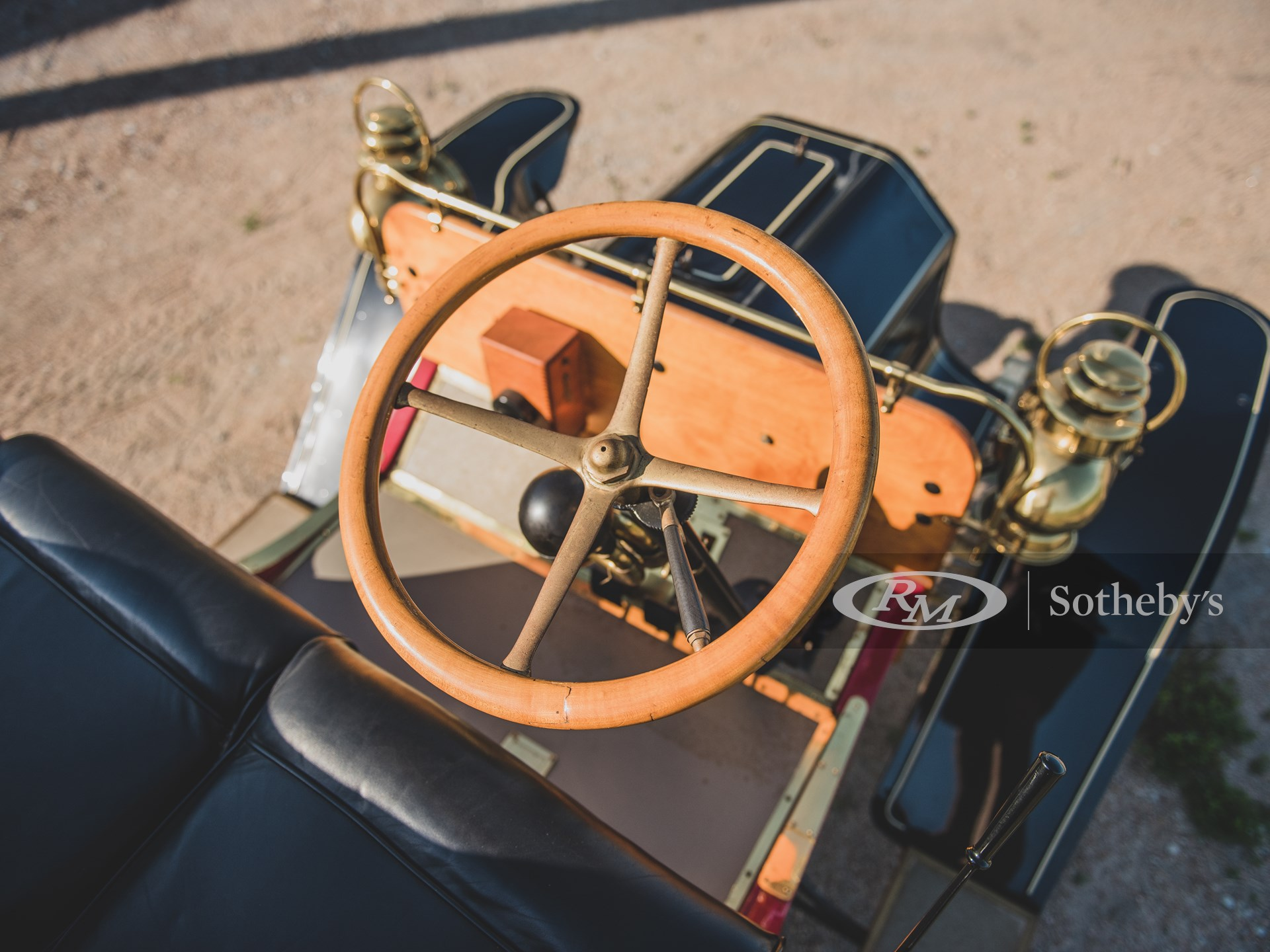 1906 Reo Model R Two-Passenger Runabout  -