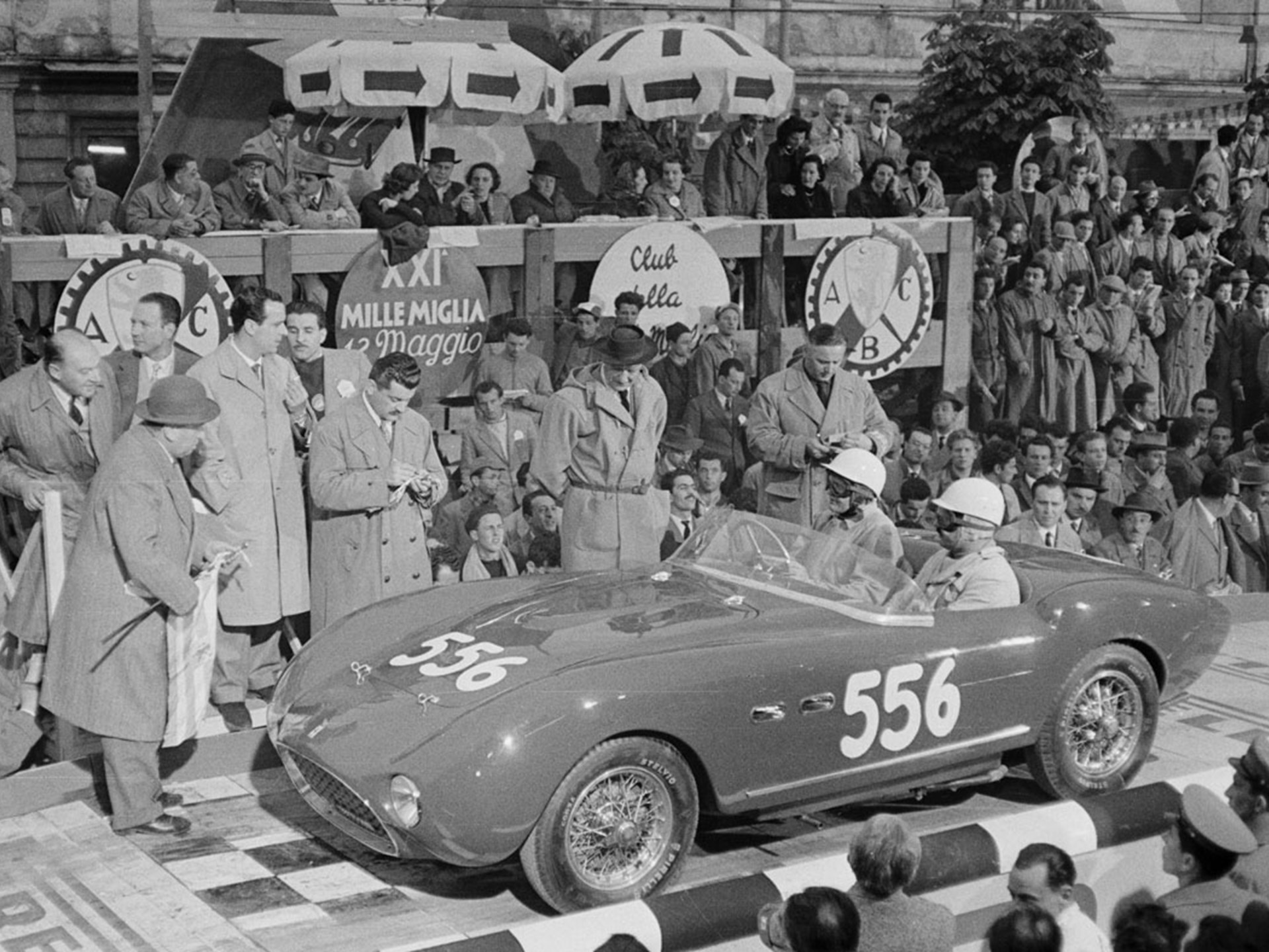 Chassis 0272 M with Emmanuel de Graffenried and Giannino Parravicini at the start of the 1954 Mille Miglia.