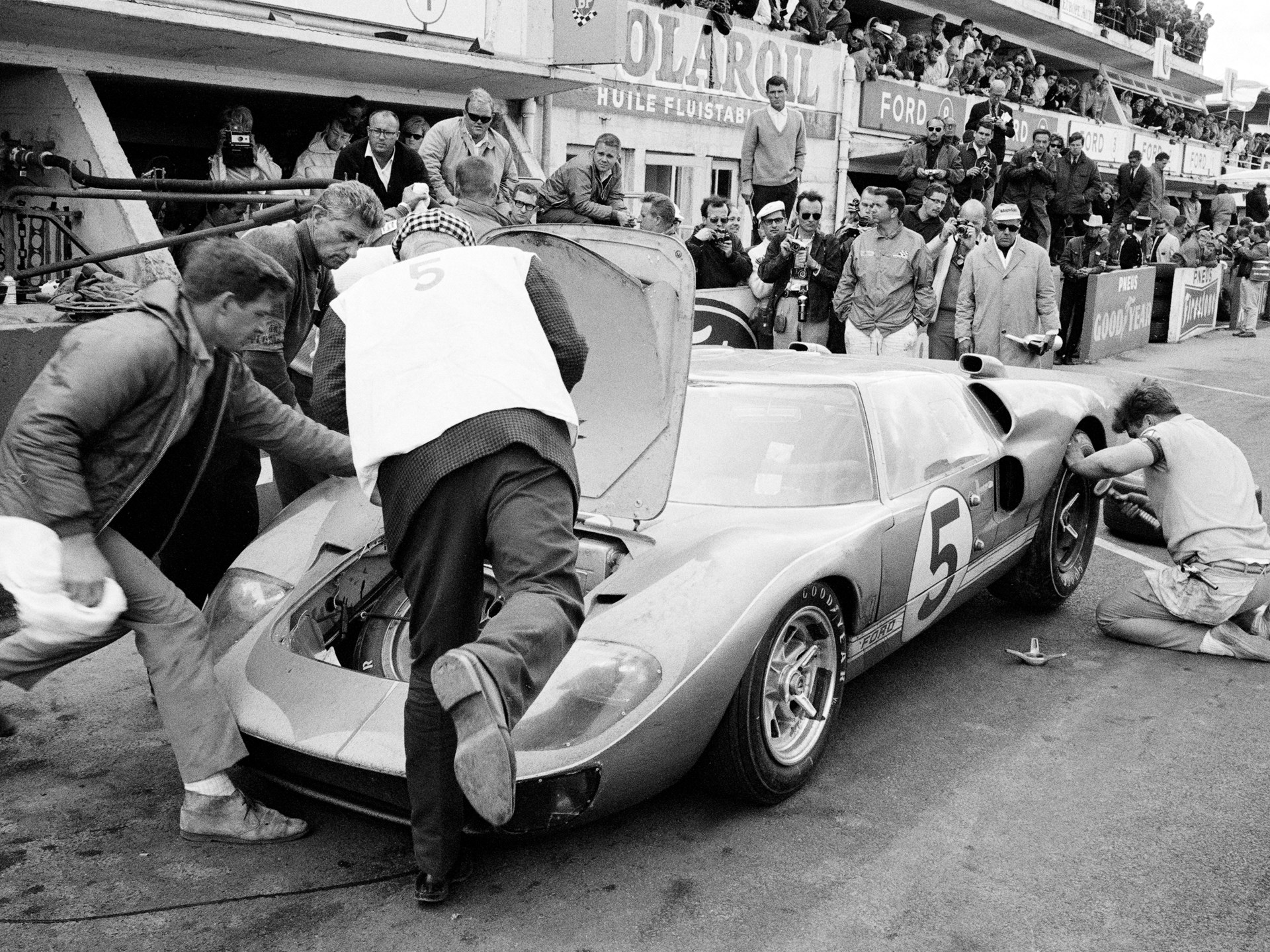 Ronnie Bucknum/Dick Hutcherson, 1966 Le Mans 24 Hours, 3rd Overall.
