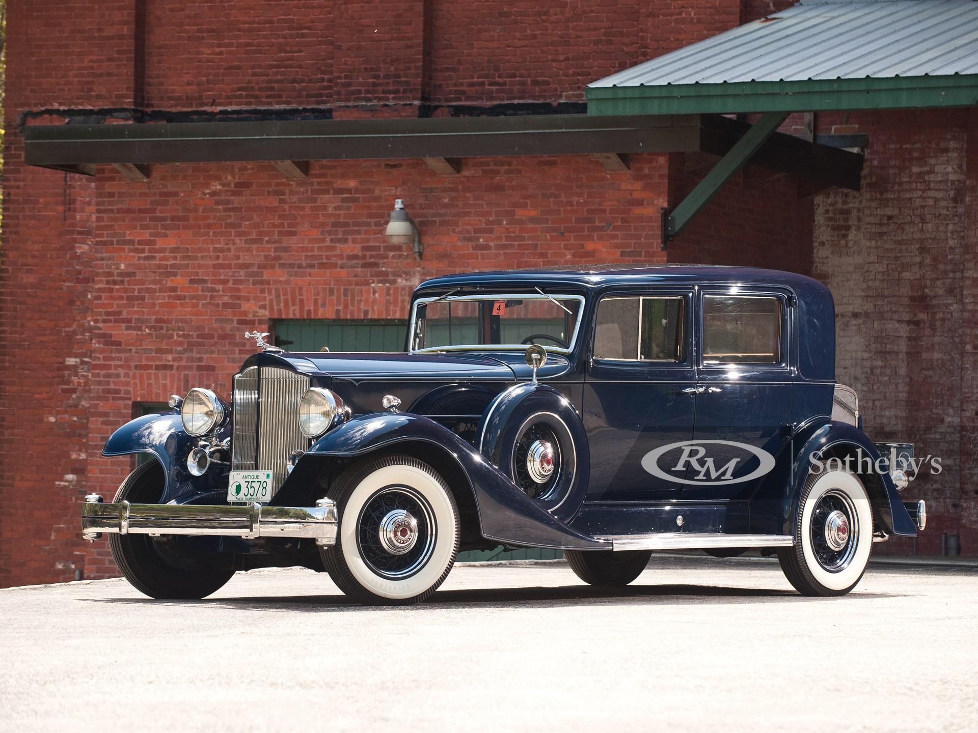 1933 Packard Twelve Club Sedan