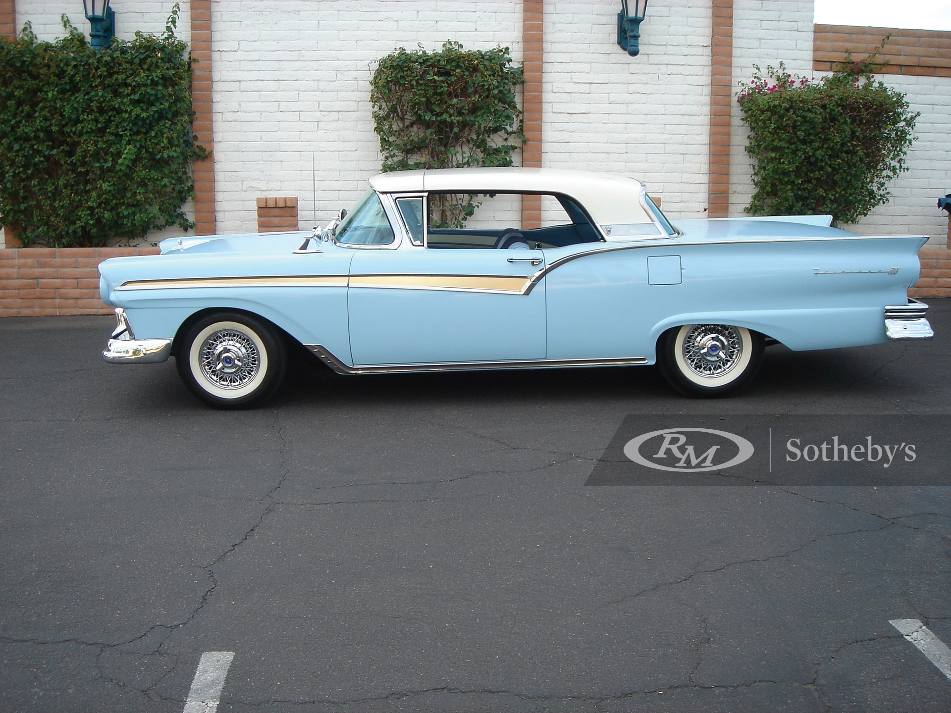 1957 Ford Skyliner Retractable  -