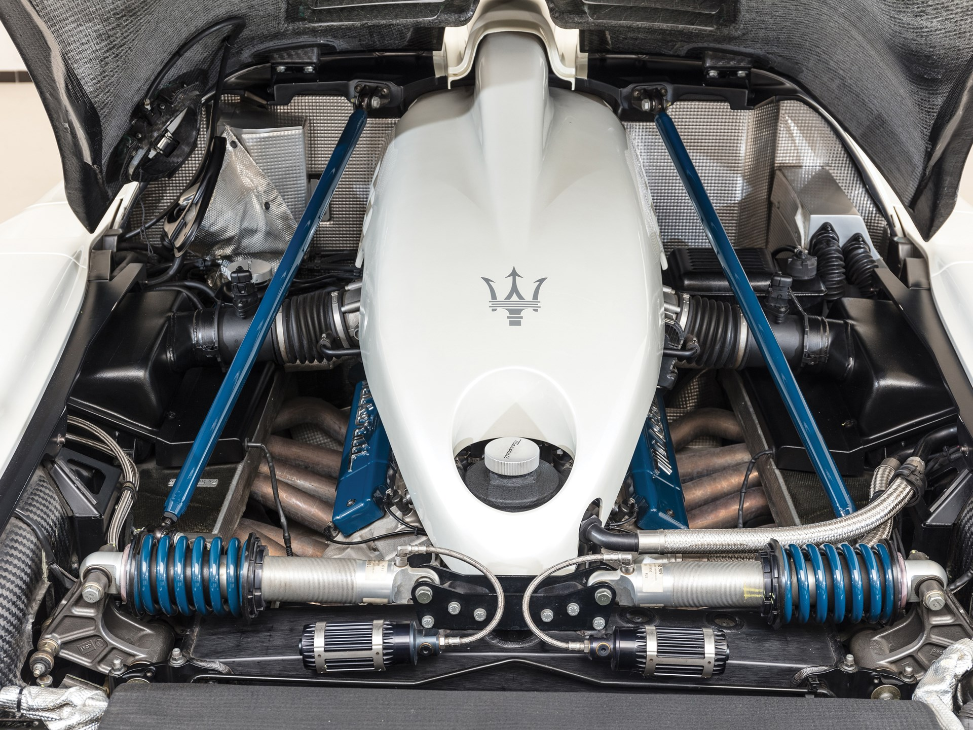 Maserati mc12 engine