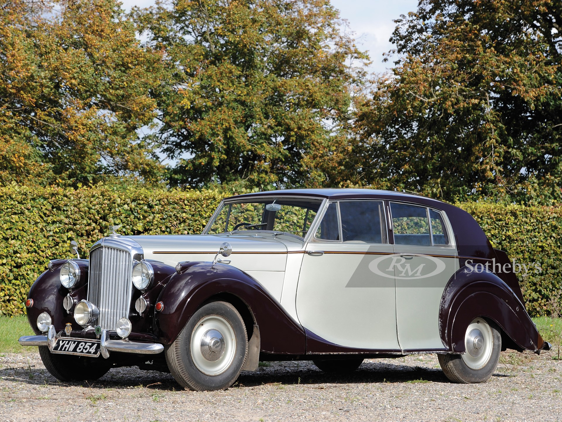 1949 Bentley Mark VI Saloon by James Young