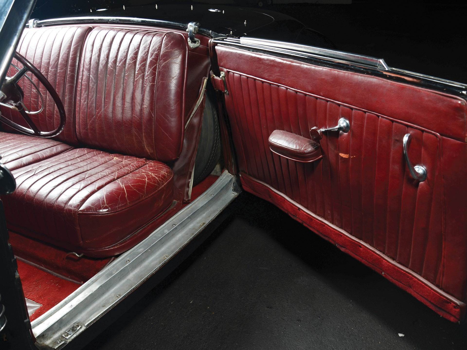 1937 Cord 812 Cabriolet