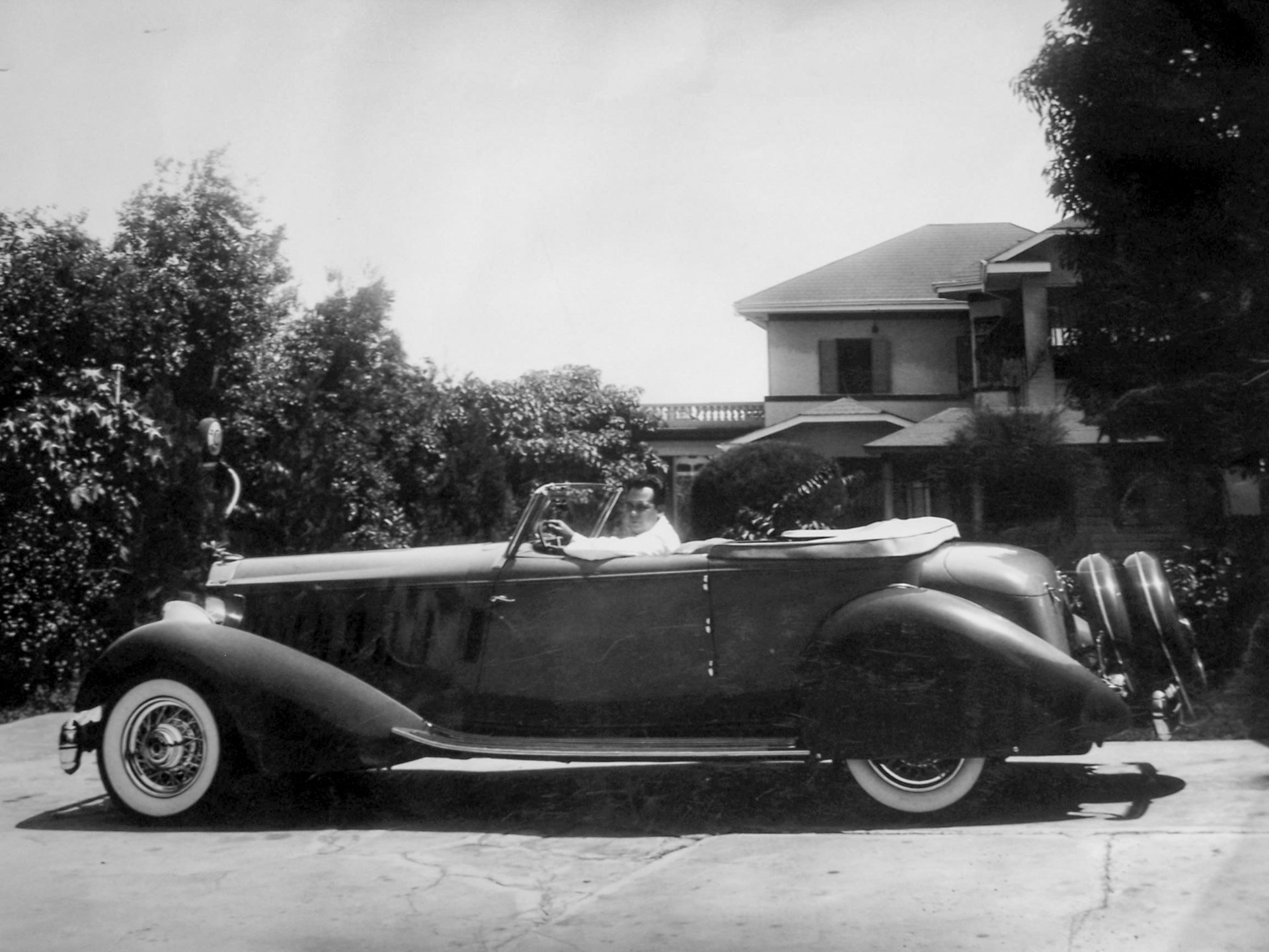 Judge LaCosta with his new Packard in 1934, showing its one-off fenders.