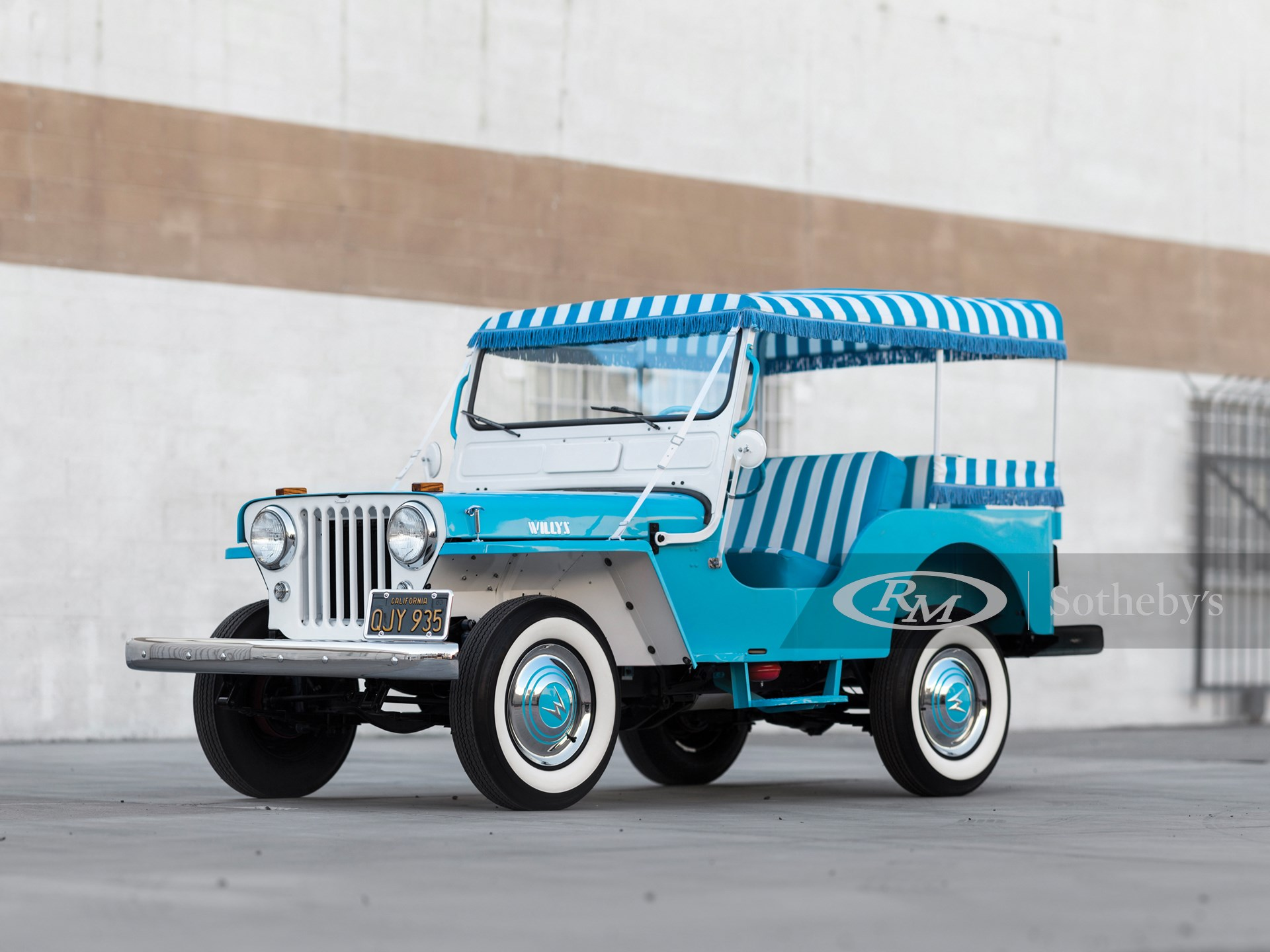 1960 Willys Jeep Gala Runabout
