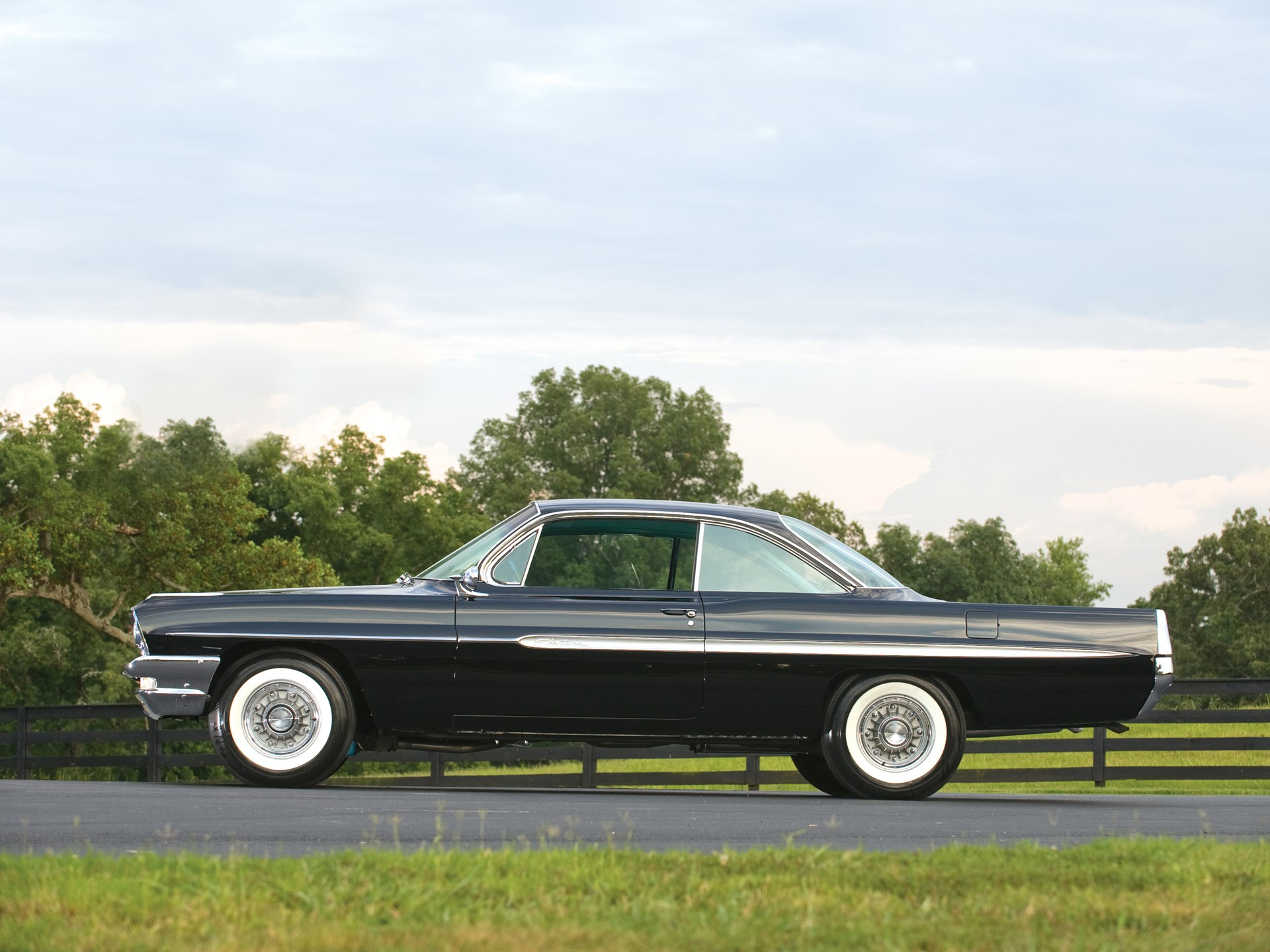 rm sotheby 39 s 1961 pontiac ventura super duty 421 hardtop. Black Bedroom Furniture Sets. Home Design Ideas