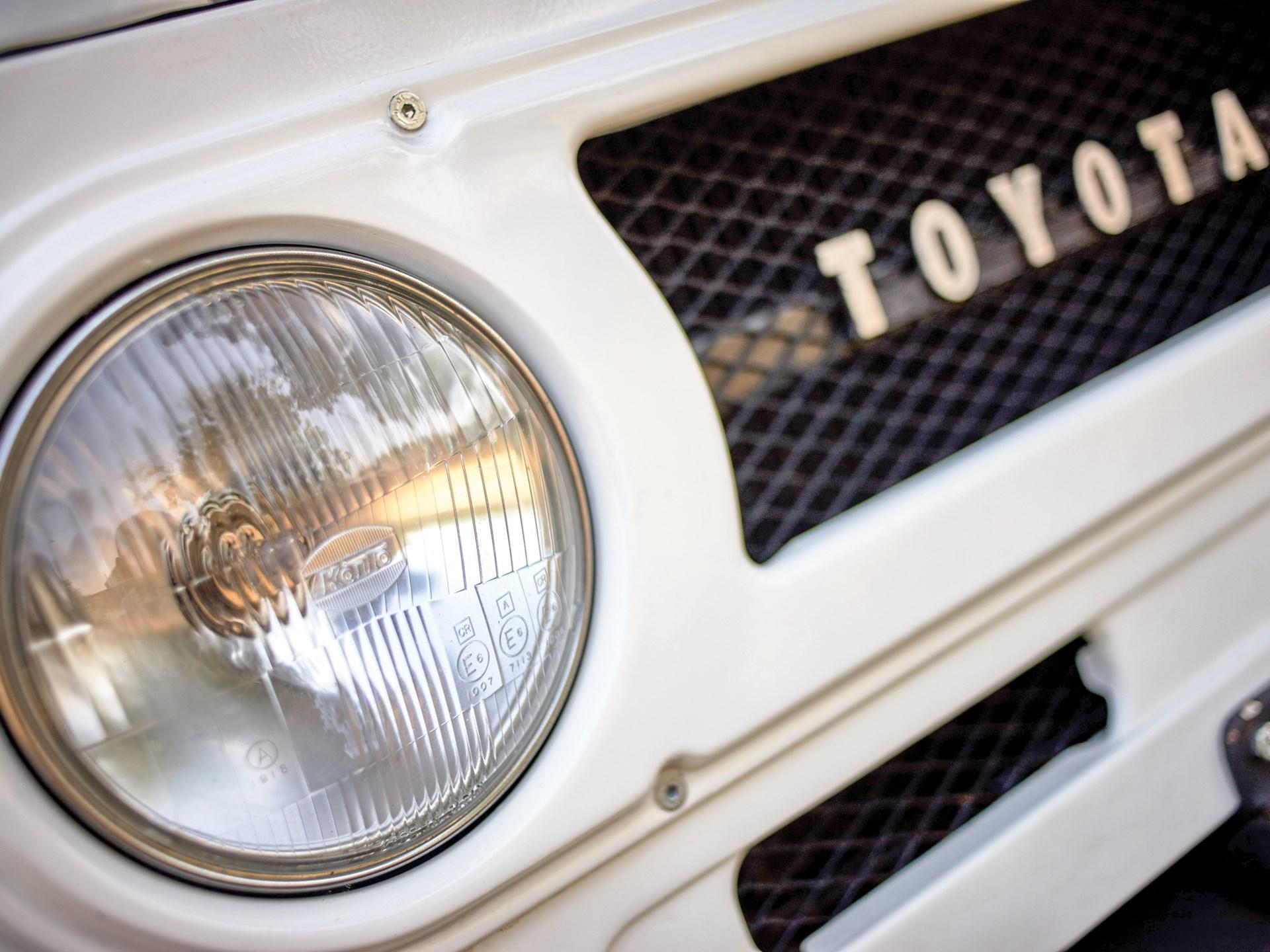 Rm Sothebys 1973 Toyota Fj40 Land Cruiser London 2016 Specs