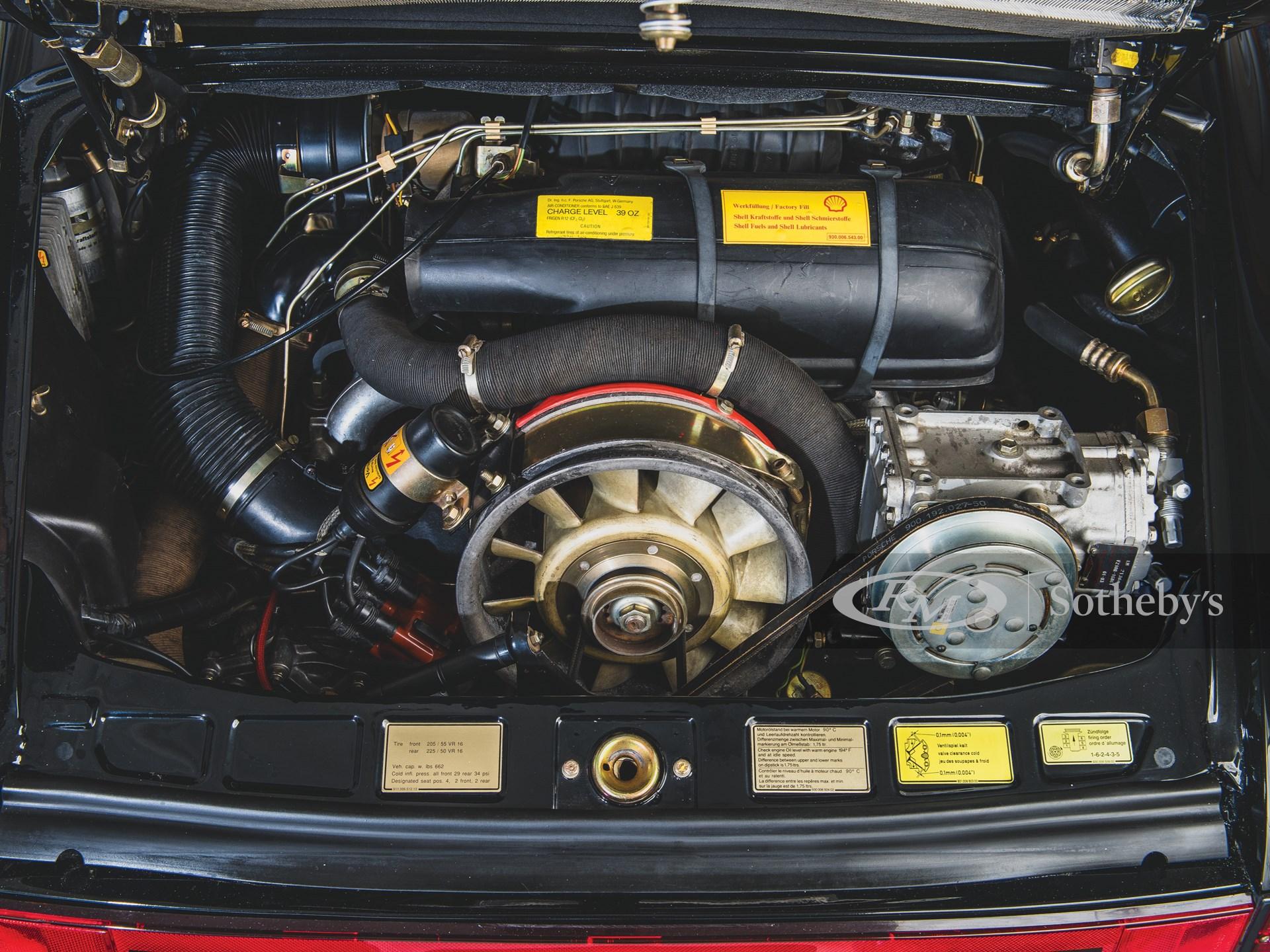 Difference Niveau Entre 2 Pieces 1983 porsche 911 sc cabriolet | the taj ma garaj collection