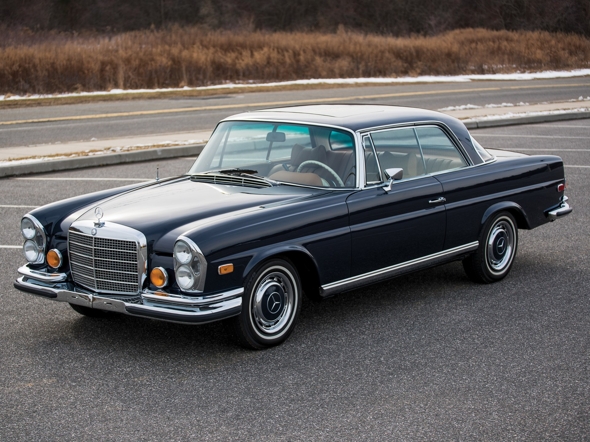 rm sotheby 39 s 1971 mercedes benz 280 se 3 5 39 sunroof. Black Bedroom Furniture Sets. Home Design Ideas