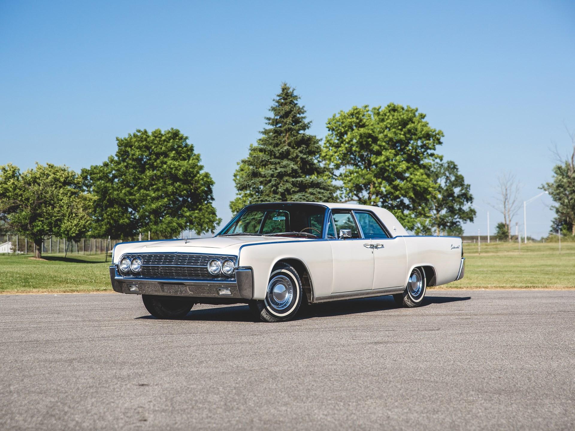1962 Lincoln Continental Hardtop Sedan