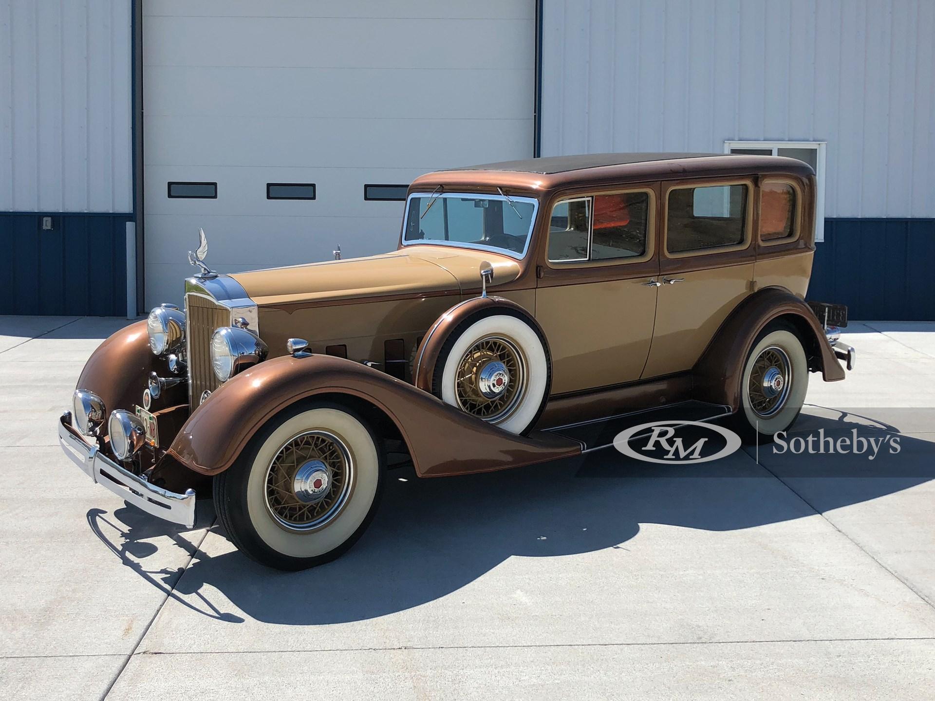 1934 Packard Super 8 Club Sedan