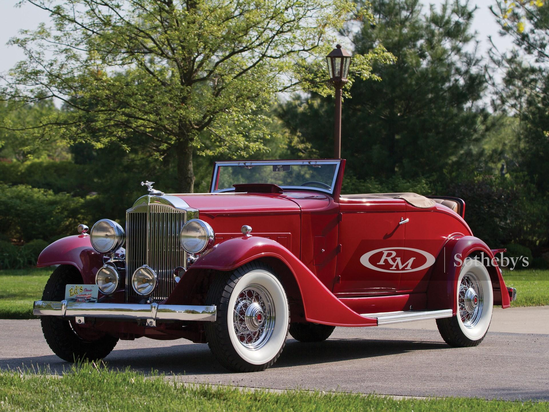 1933 Packard Deluxe Eight