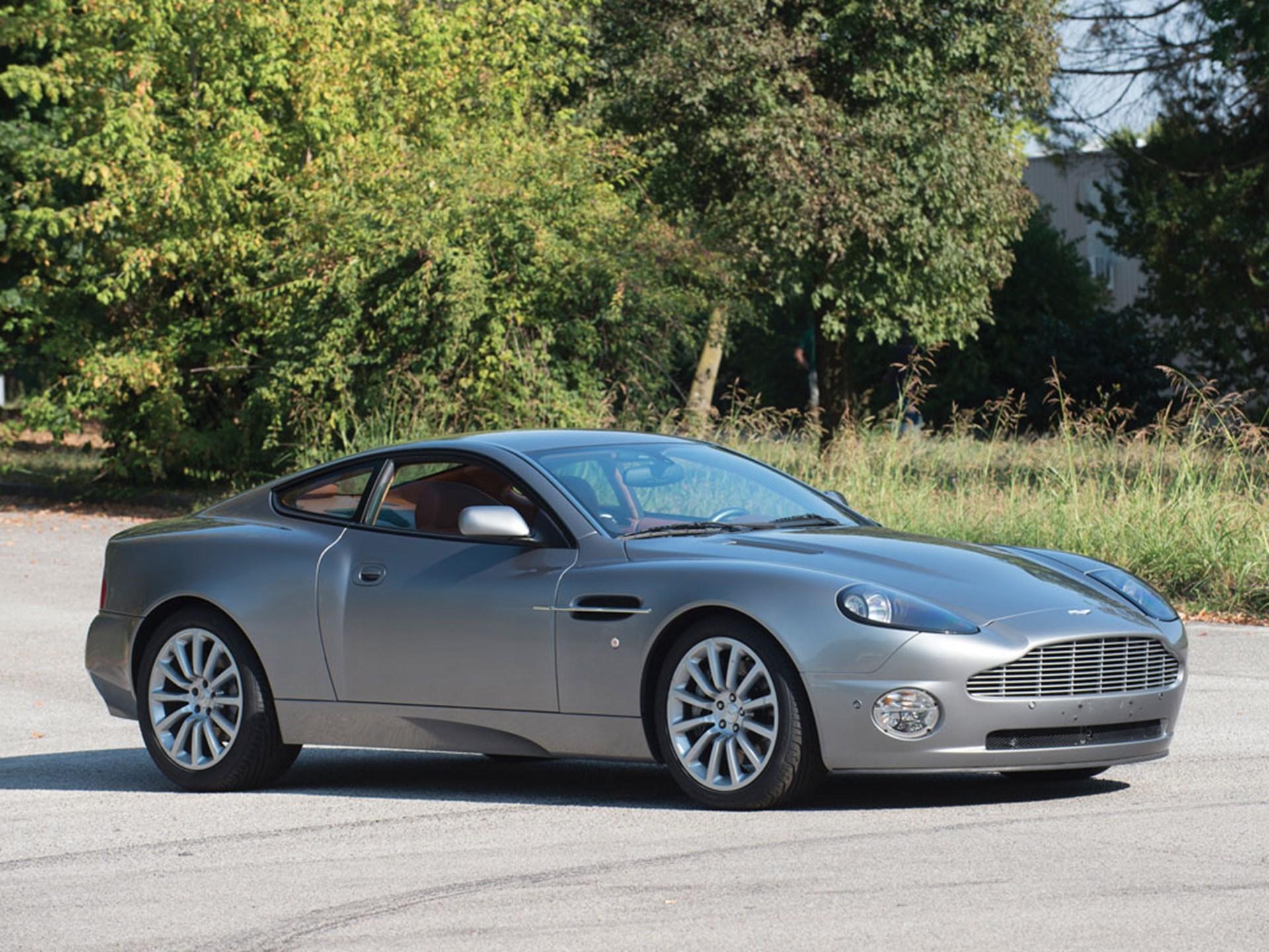RM Sothebys Aston Martin Vanquish Duemila Ruote - 2001 aston martin vanquish