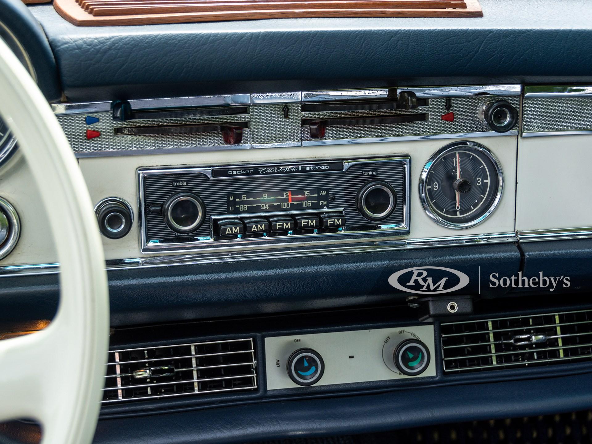 1967 Mercedes-Benz 230 SL 'Pagoda' Custom  -