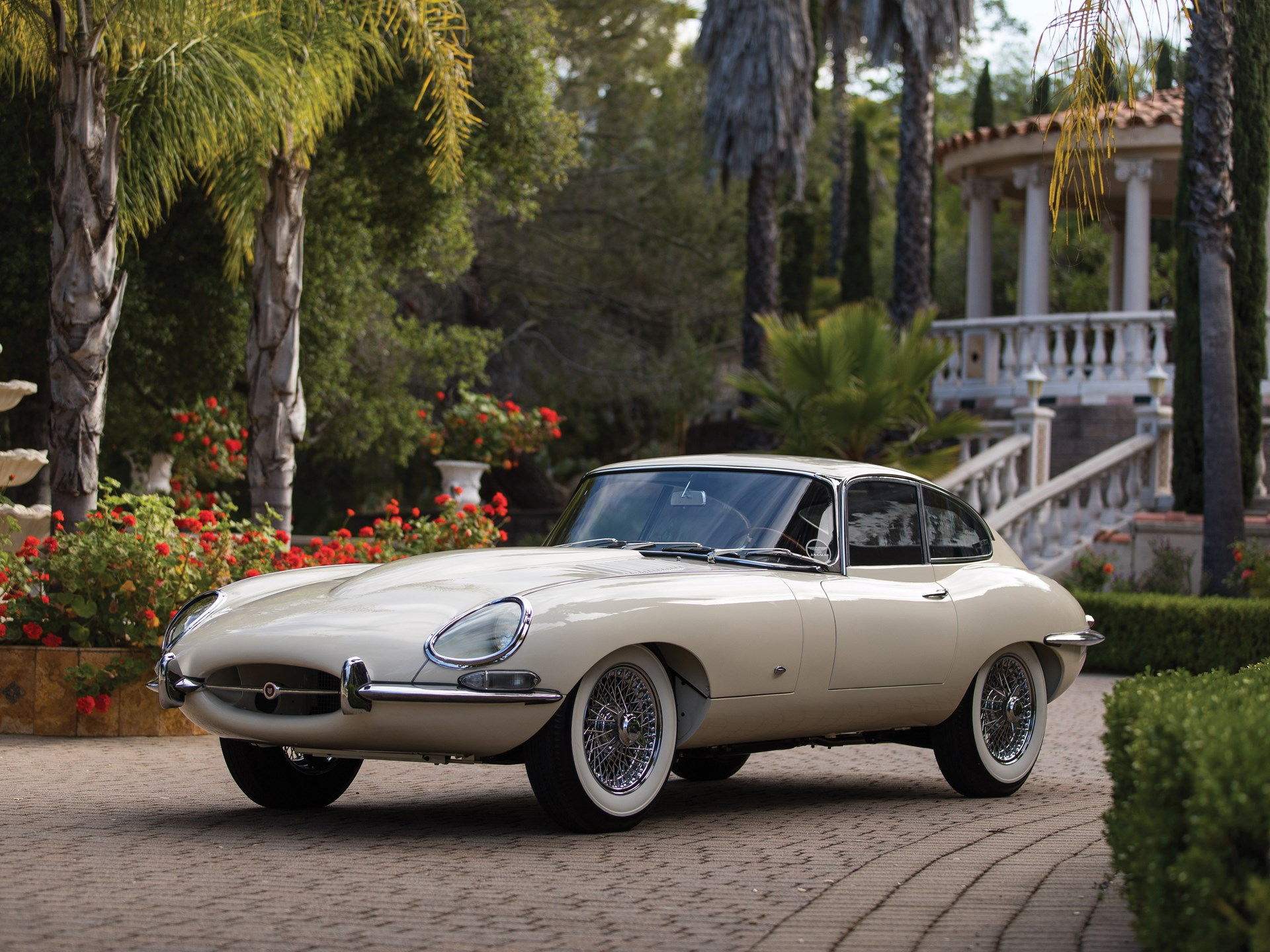Rm sotheby 39 s 1961 jaguar e type series 1 3 8 litre fixed head coupe monterey 2018 - Jaguar e type fixed head coupe ...