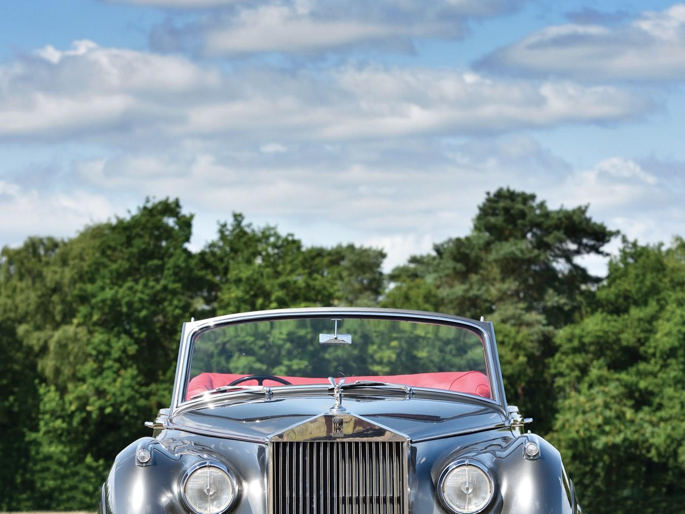 1960 Rolls-Royce Silver Cloud II Drophead Coupé Adaptation by H.J. Mulliner