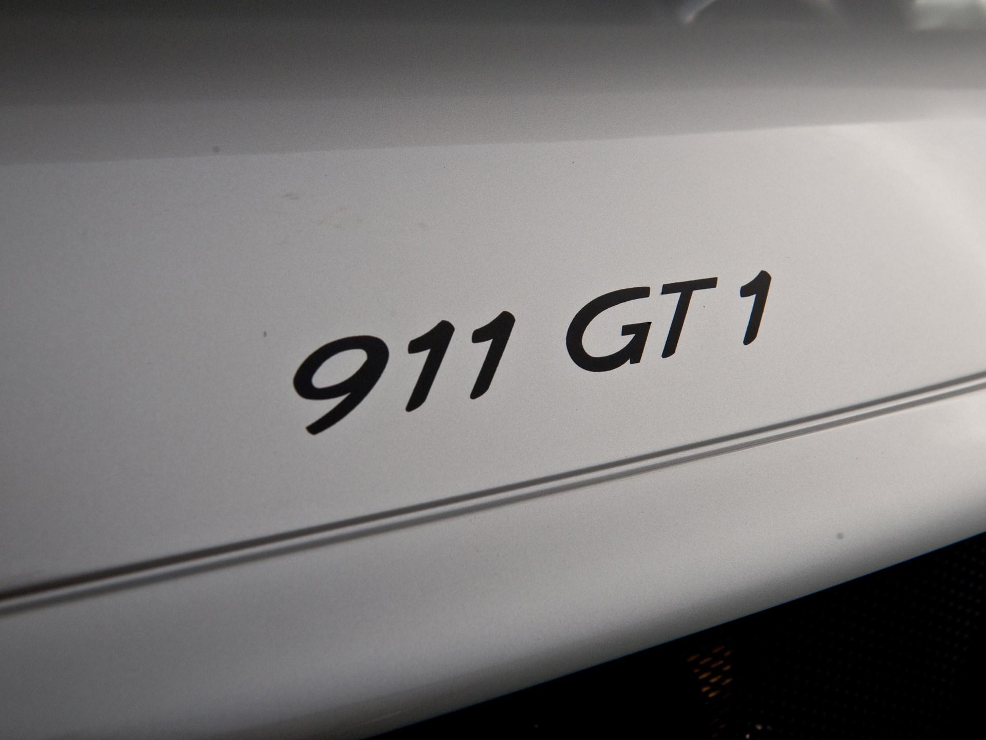 1998 Porsche 911 GT1 'Strassenversion' (Street Version)