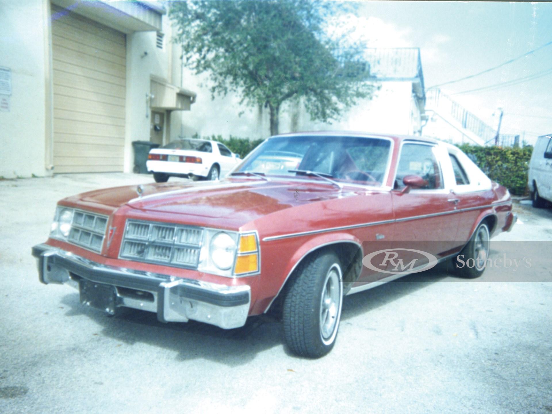 1977 Pontiac Ventura 2D  -