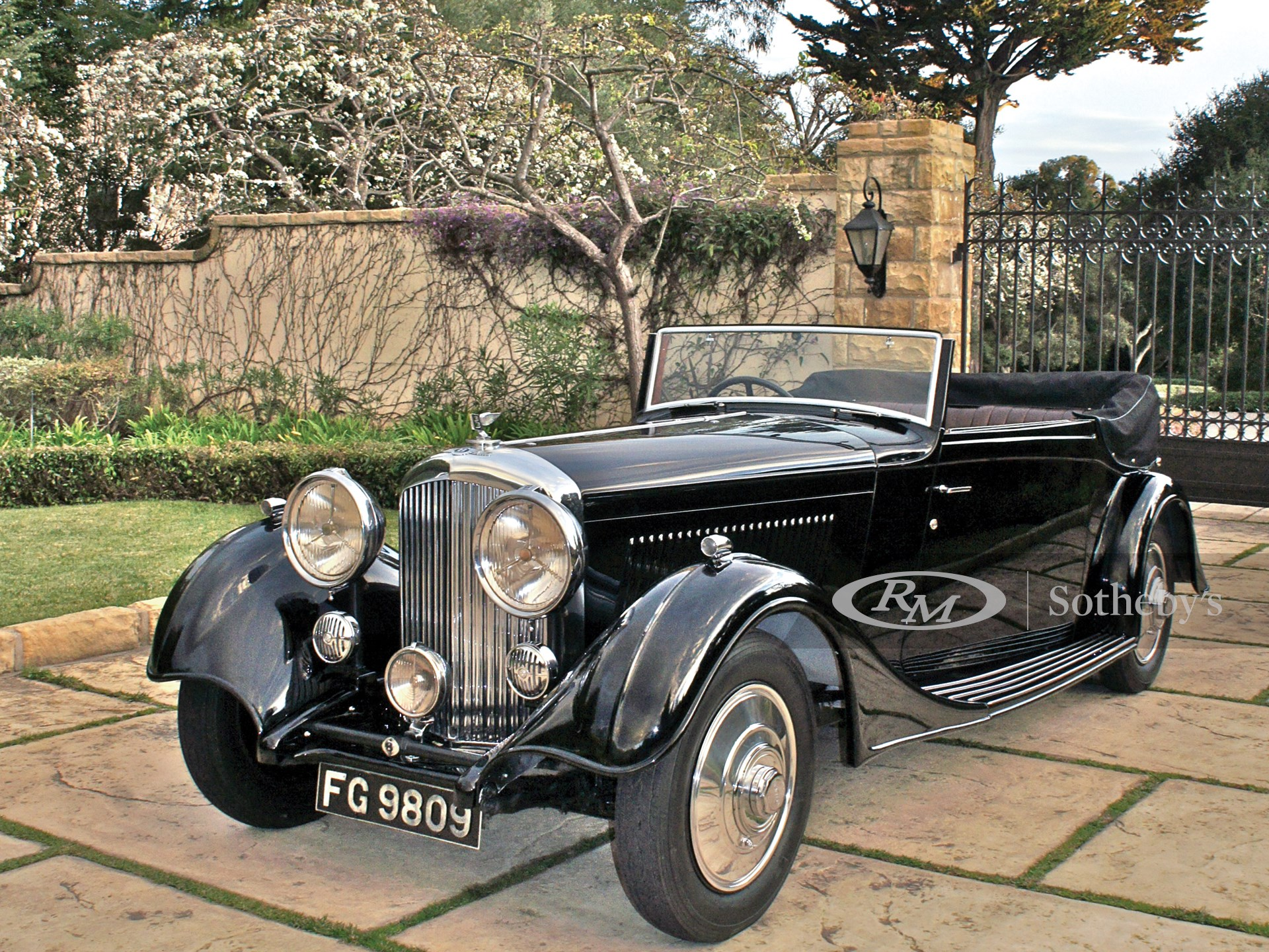 1934 Bentley 3½-Litre Three-Position Drophead Coupe by Thrupp and Maberly