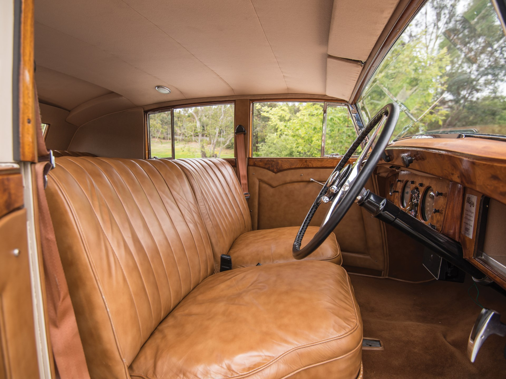 1947 Bentley Mark VI Saloon by Freestone & Webb