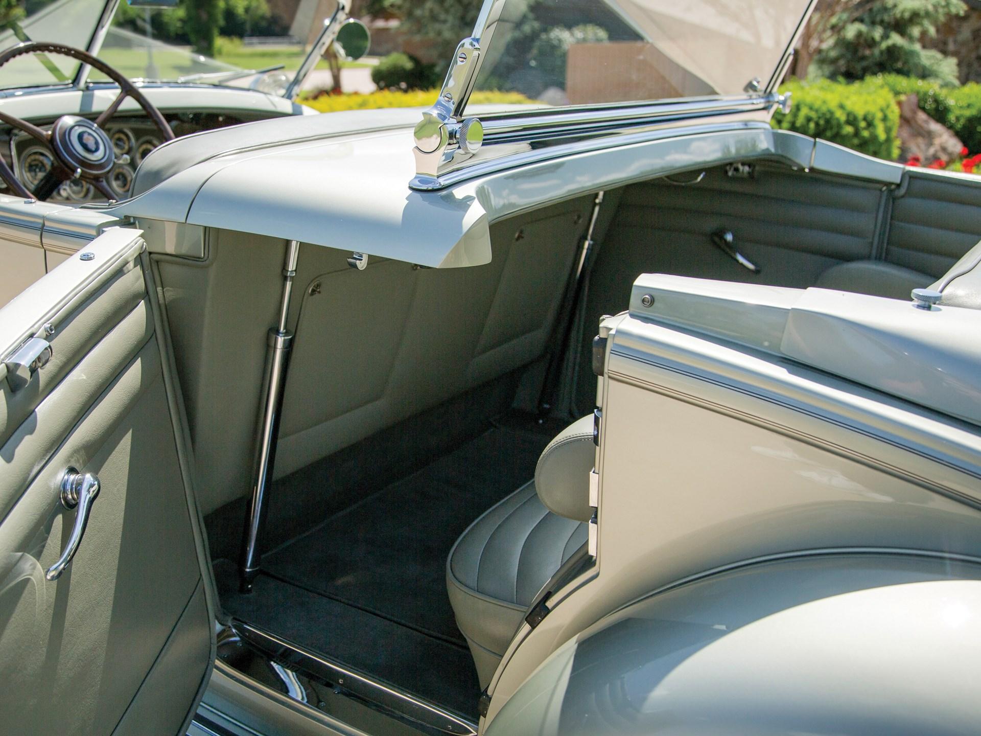 1933 Packard Twelve Individual Custom Sport Phaeton in the style of LeBaron