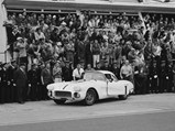 1960 Chevrolet Corvette LM  - $Cunningham fires up the #1 Corvette as Alfred Momo and the paddock crowd cheer him on.