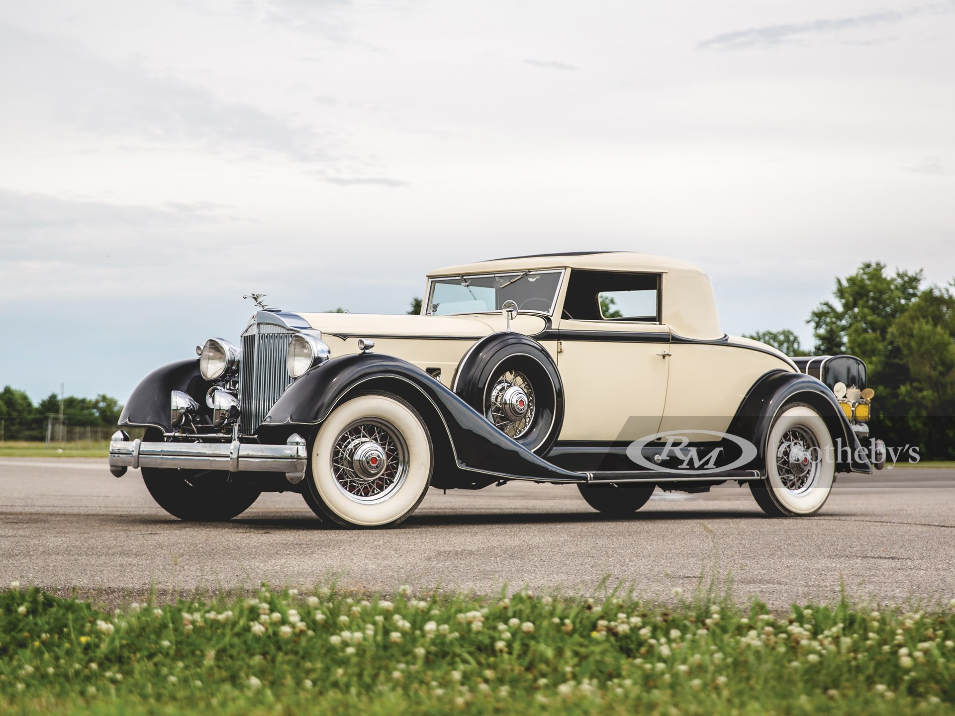 1934 Packard Super Eight Coupe