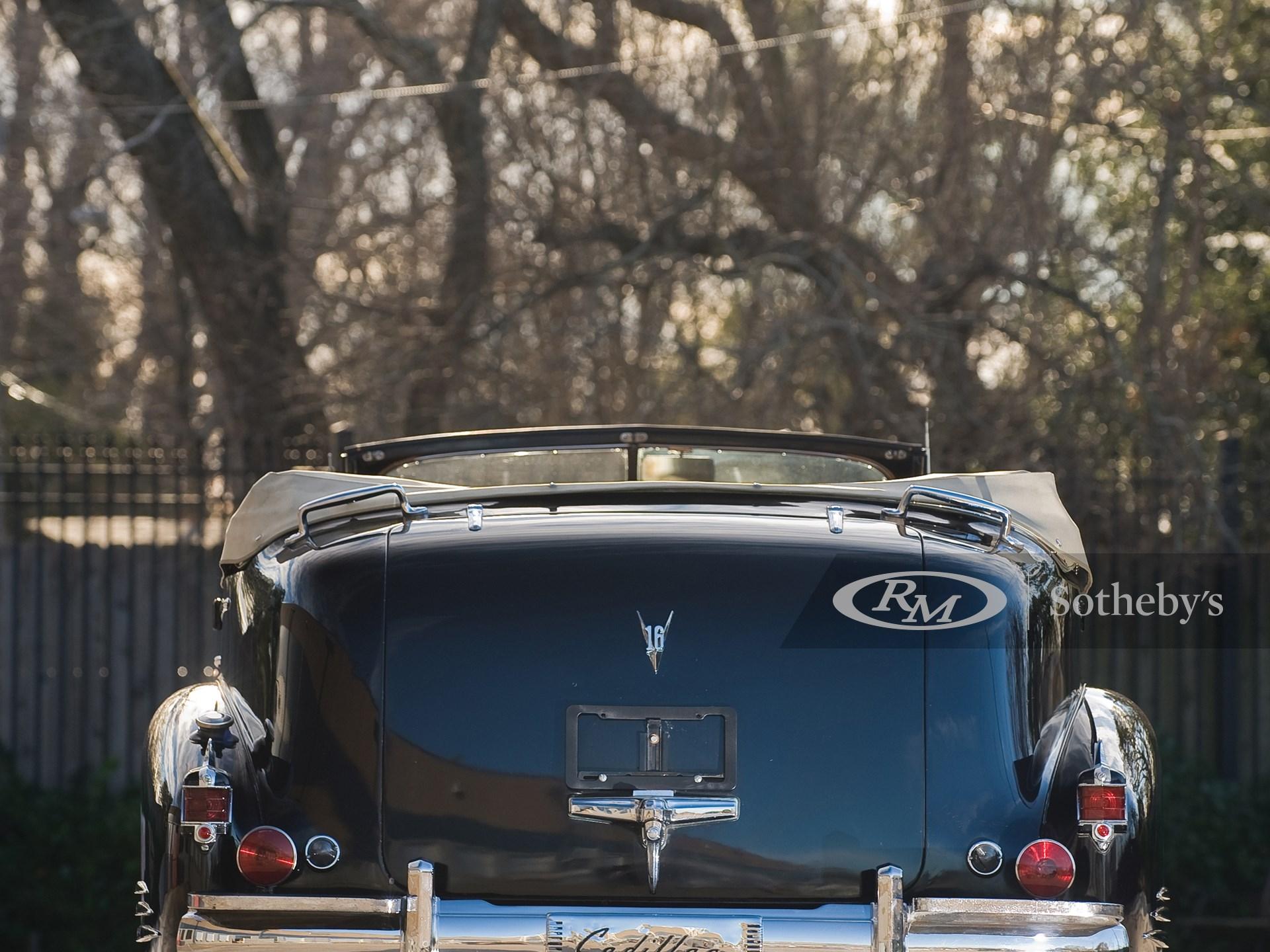 1938 Cadillac V16 Presidential Convertible Parade