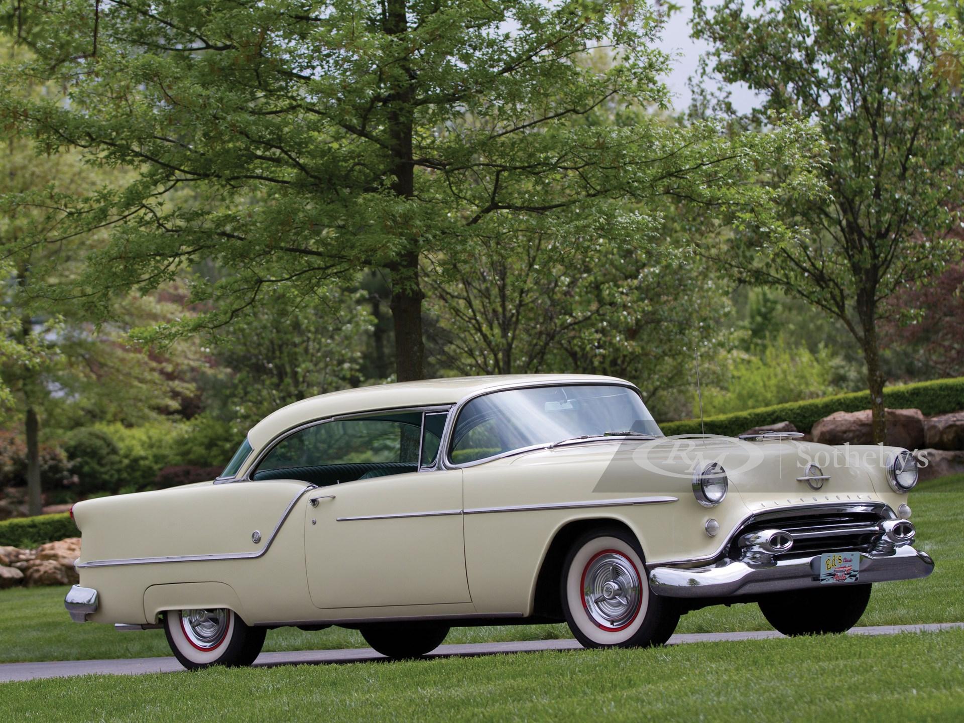 1954 Oldsmobile Super 88 Holiday