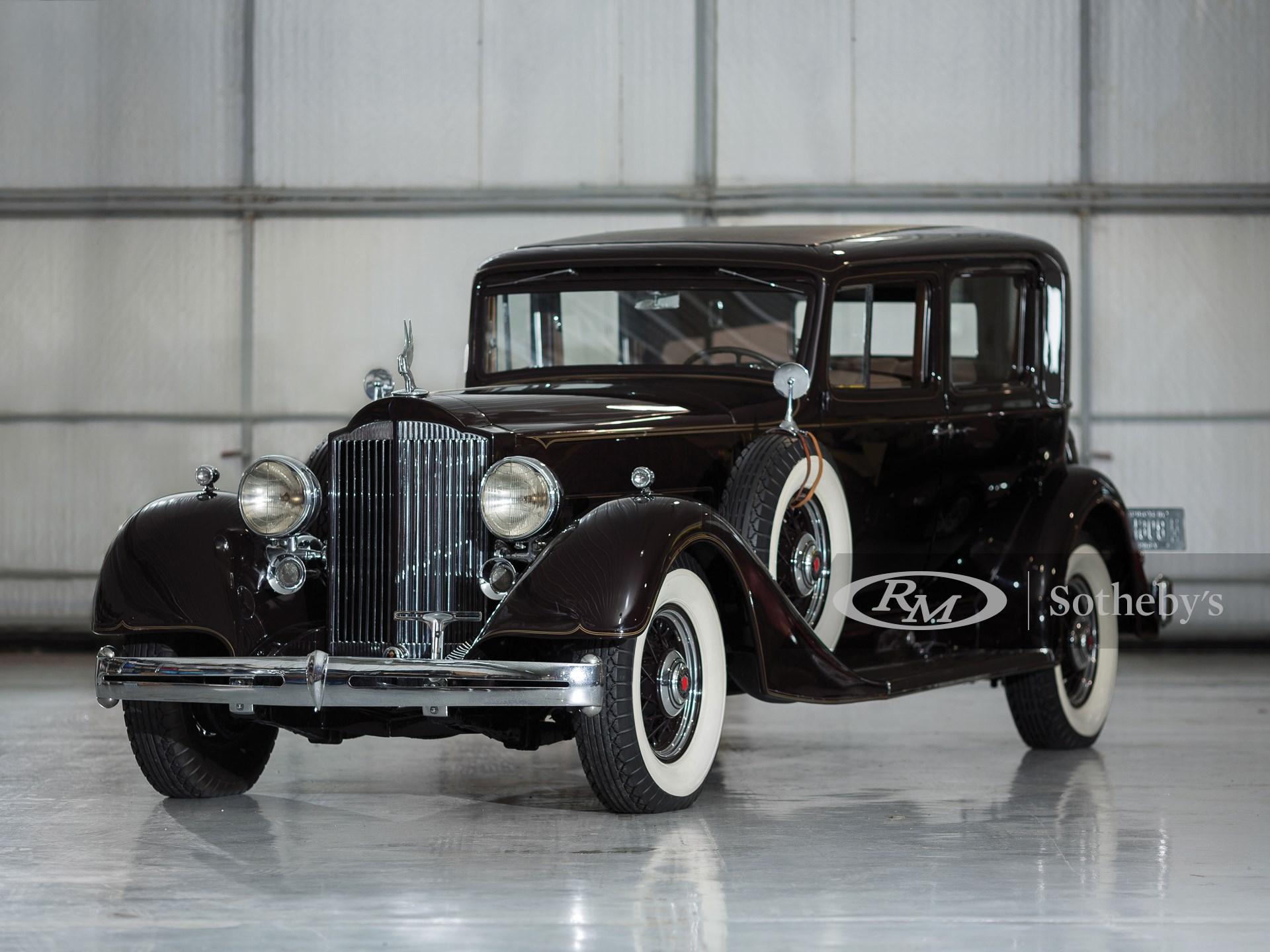 1934 Packard Super Eight Club Sedan
