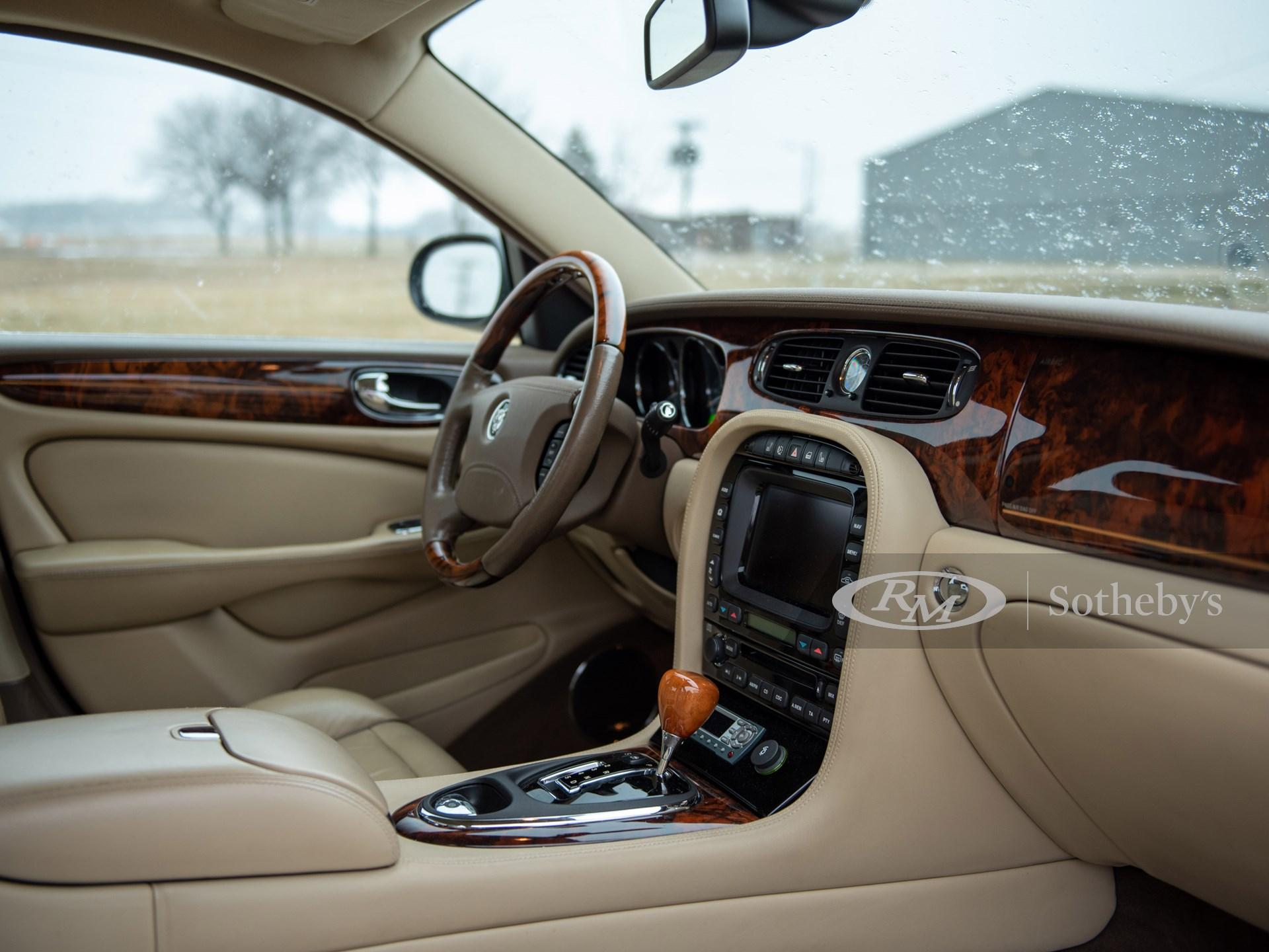 2006 Jaguar Super V8  -