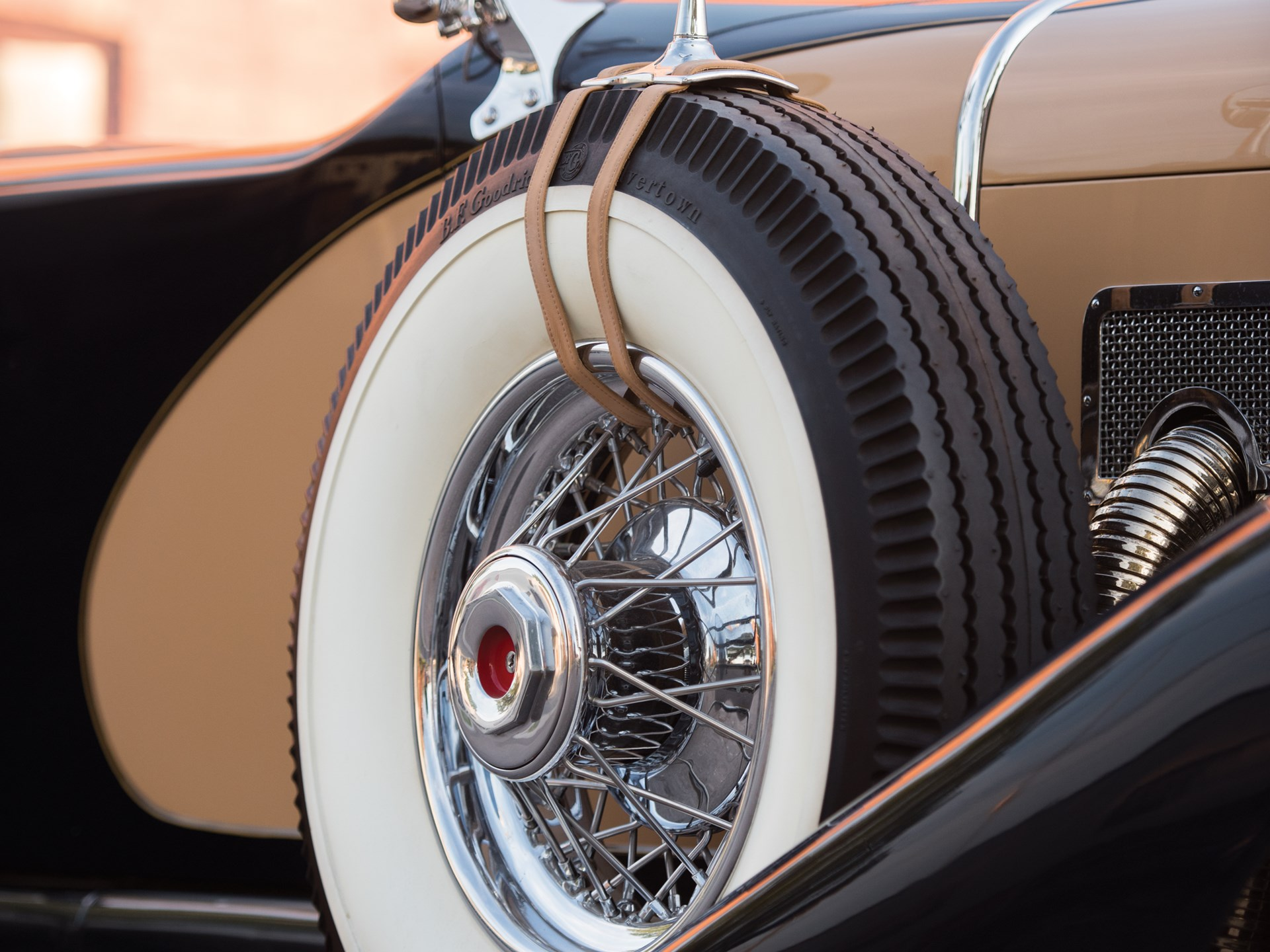 1935 Duesenberg Model SJ Dual-Cowl Phaeton in the style of LaGrande