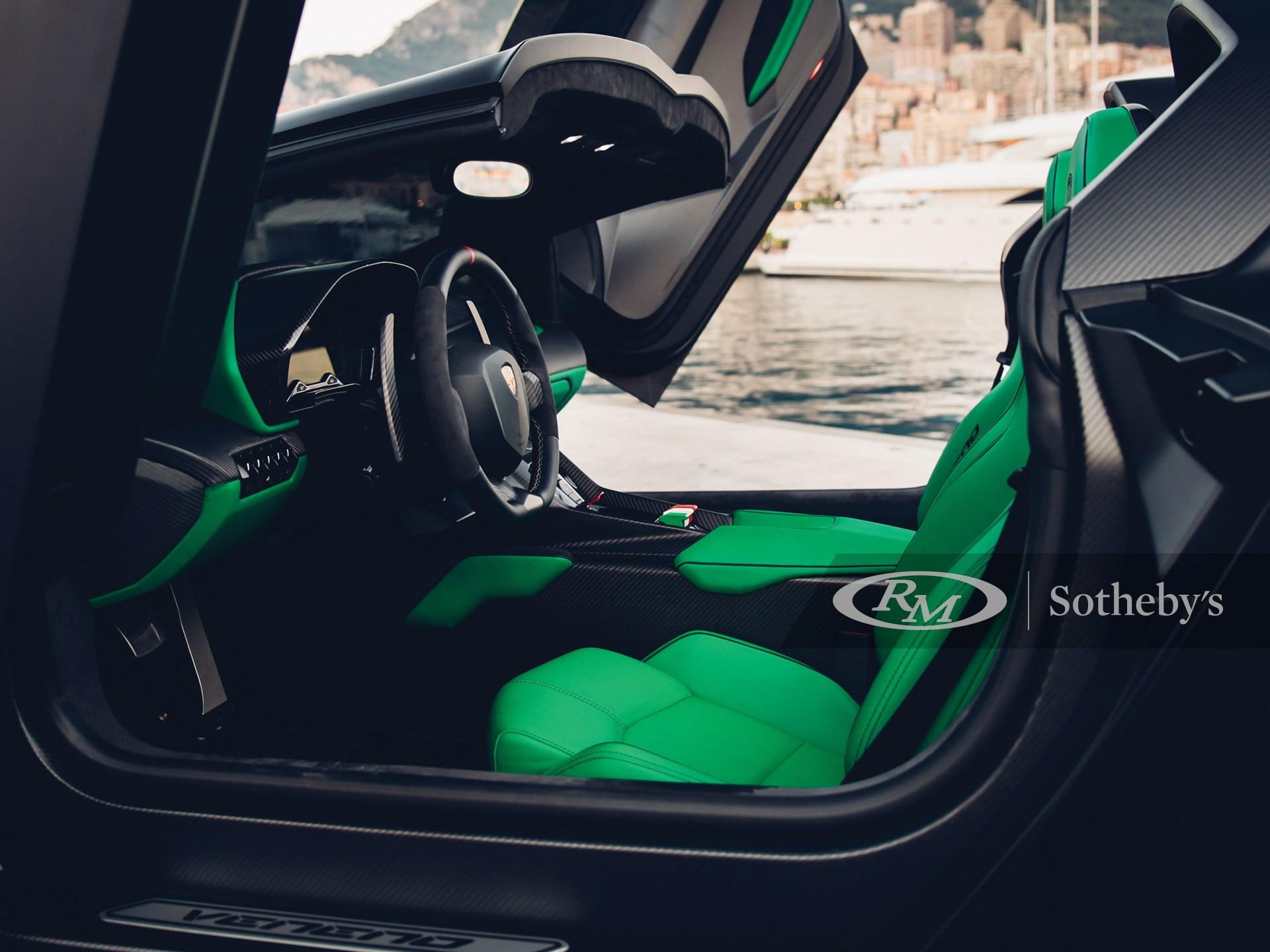 2015 Lamborghini Veneno Roadster  -