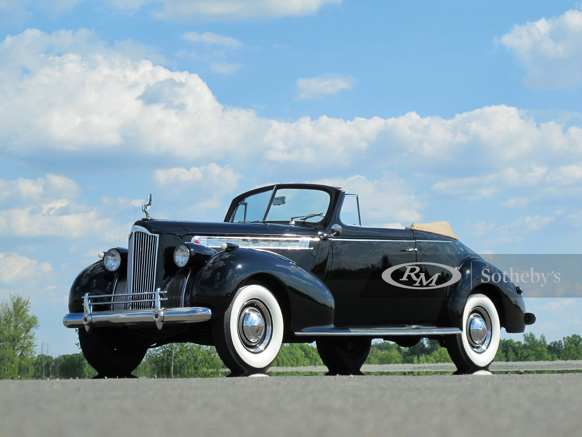 1940 Packard One-Twenty Convertible Coupe
