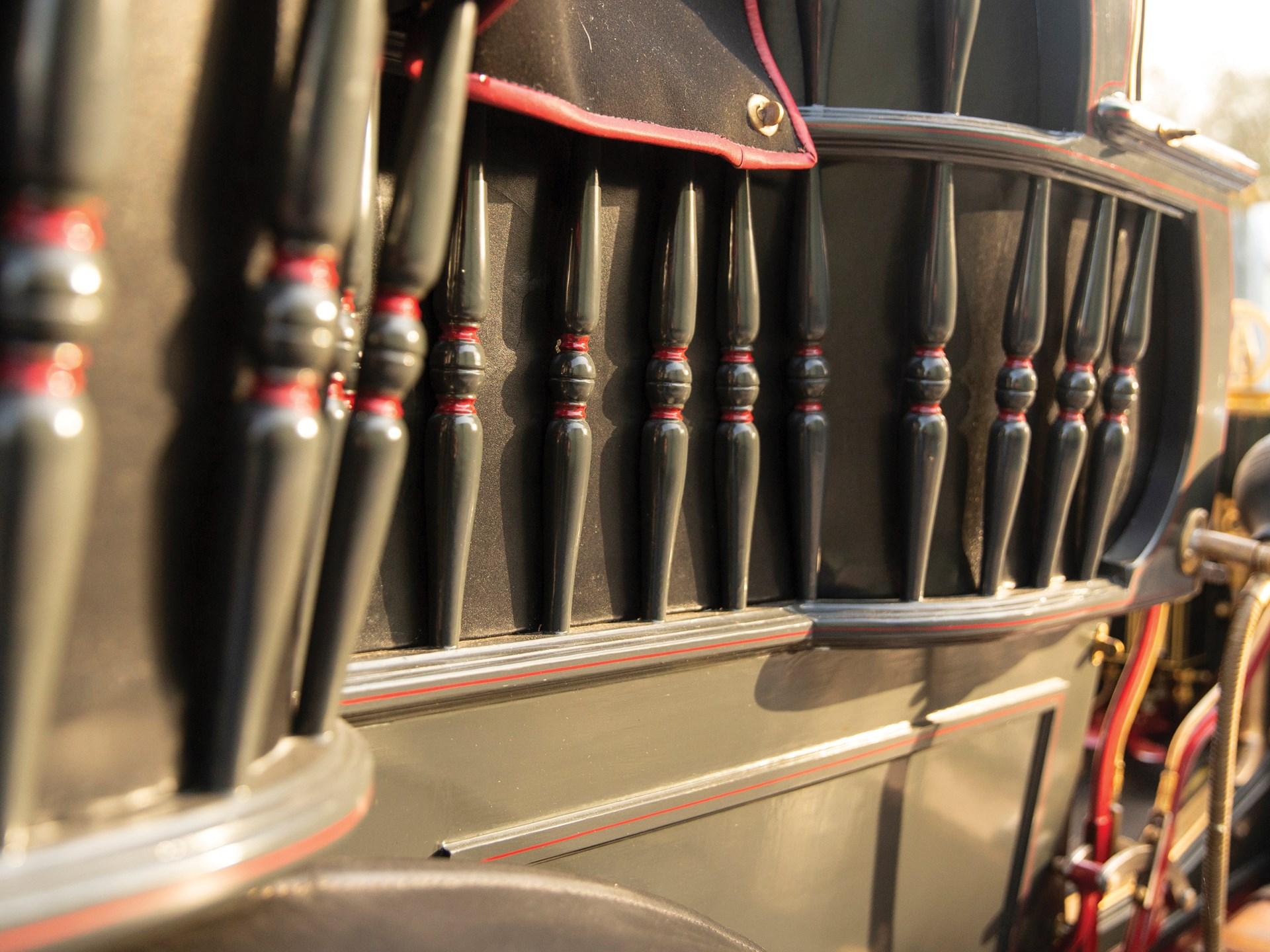 1900 Panhard et Levassor 16 HP Rear Entrance Tonneau