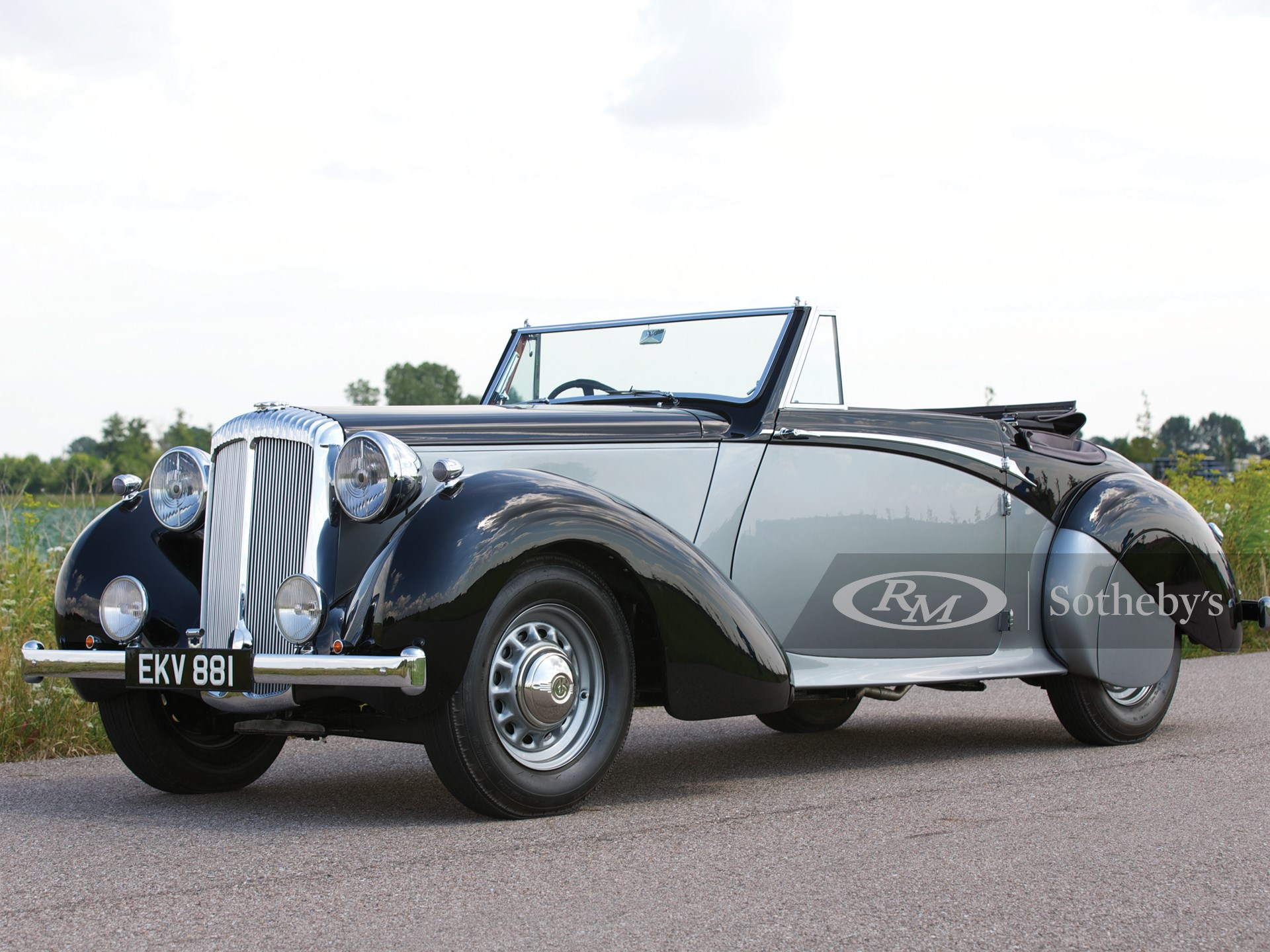 1939 Daimler DB18 Drophead Coupé by Carlton